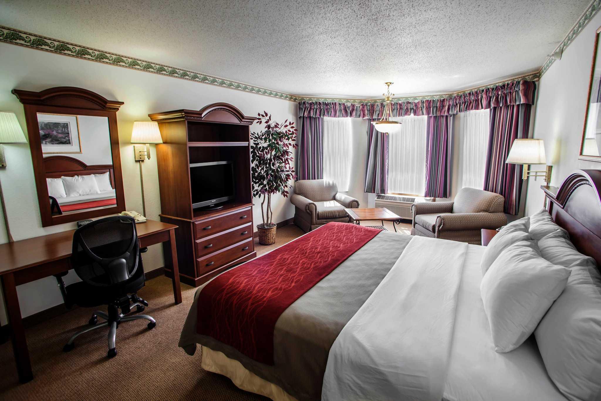 Comfort Inn & Suites in Geneva, IL, photo #21