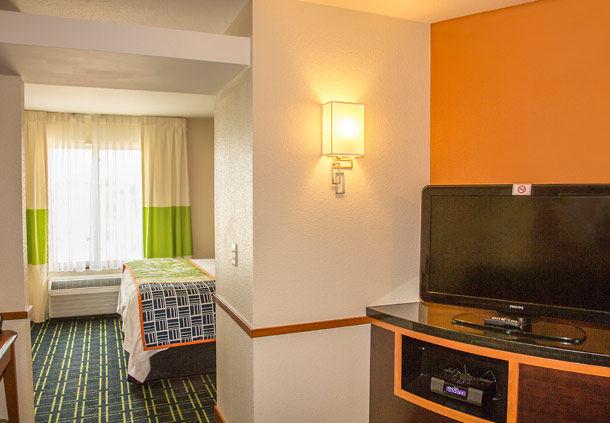 Fairfield Inn & Suites by Marriott Carlsbad image 4