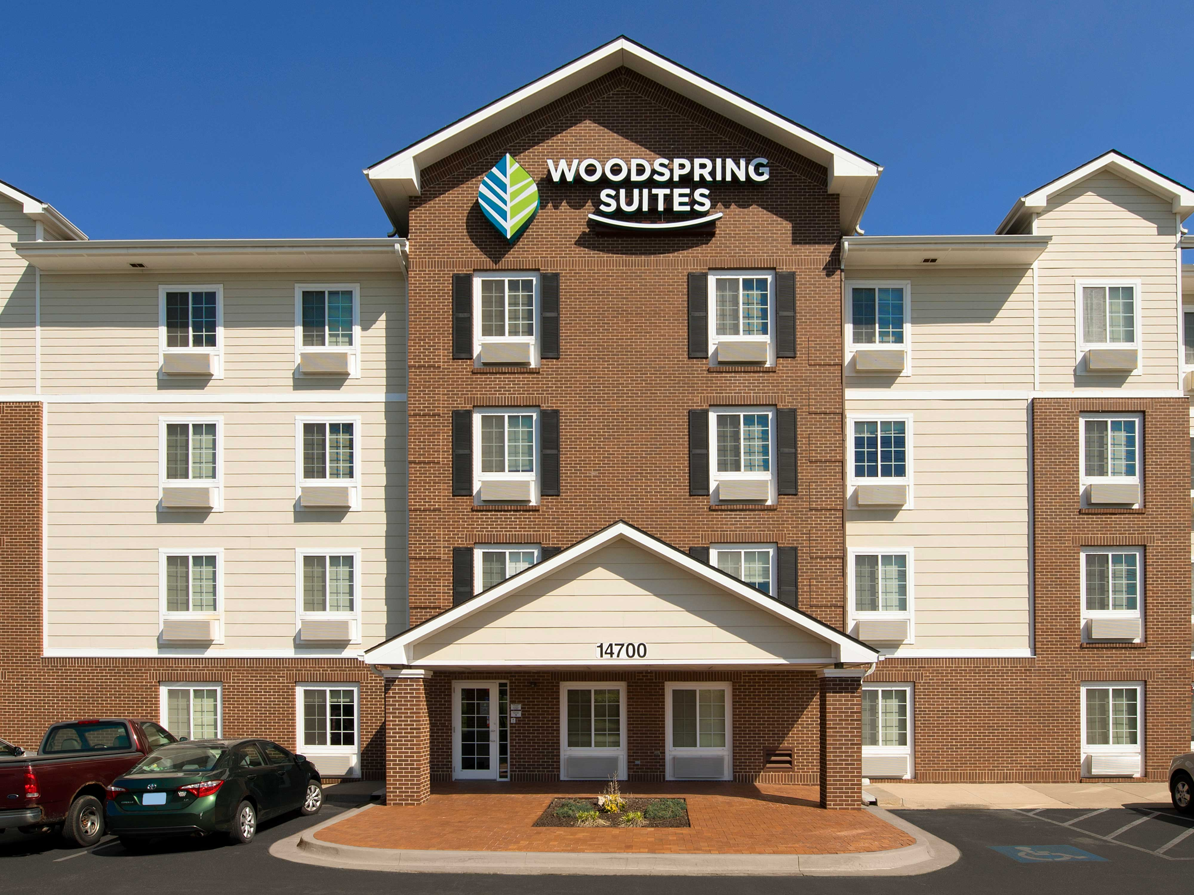 WoodSpring Suites Kansas City Lenexa image 14