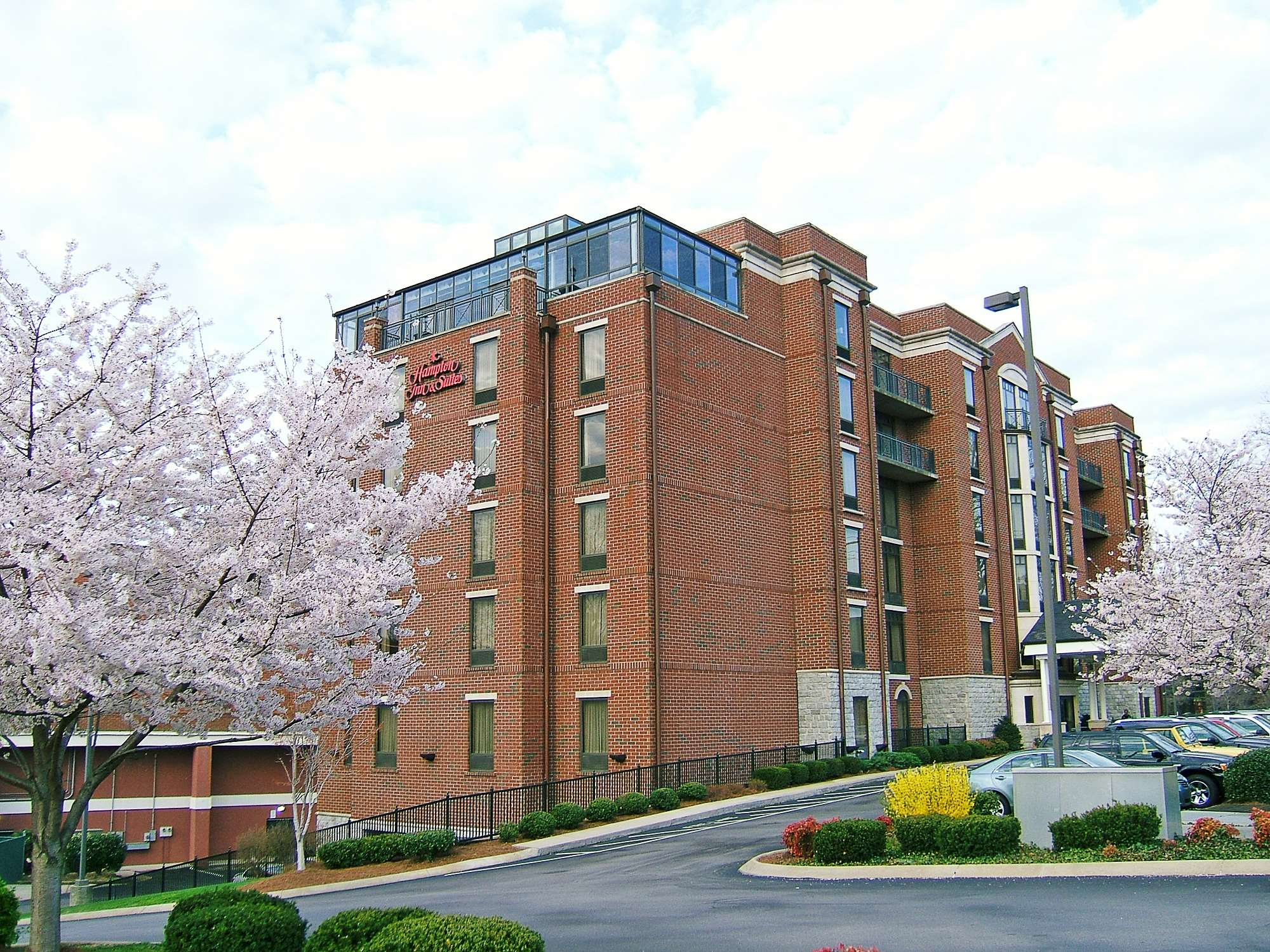 Hampton Inn & Suites Nashville-Green Hills image 2