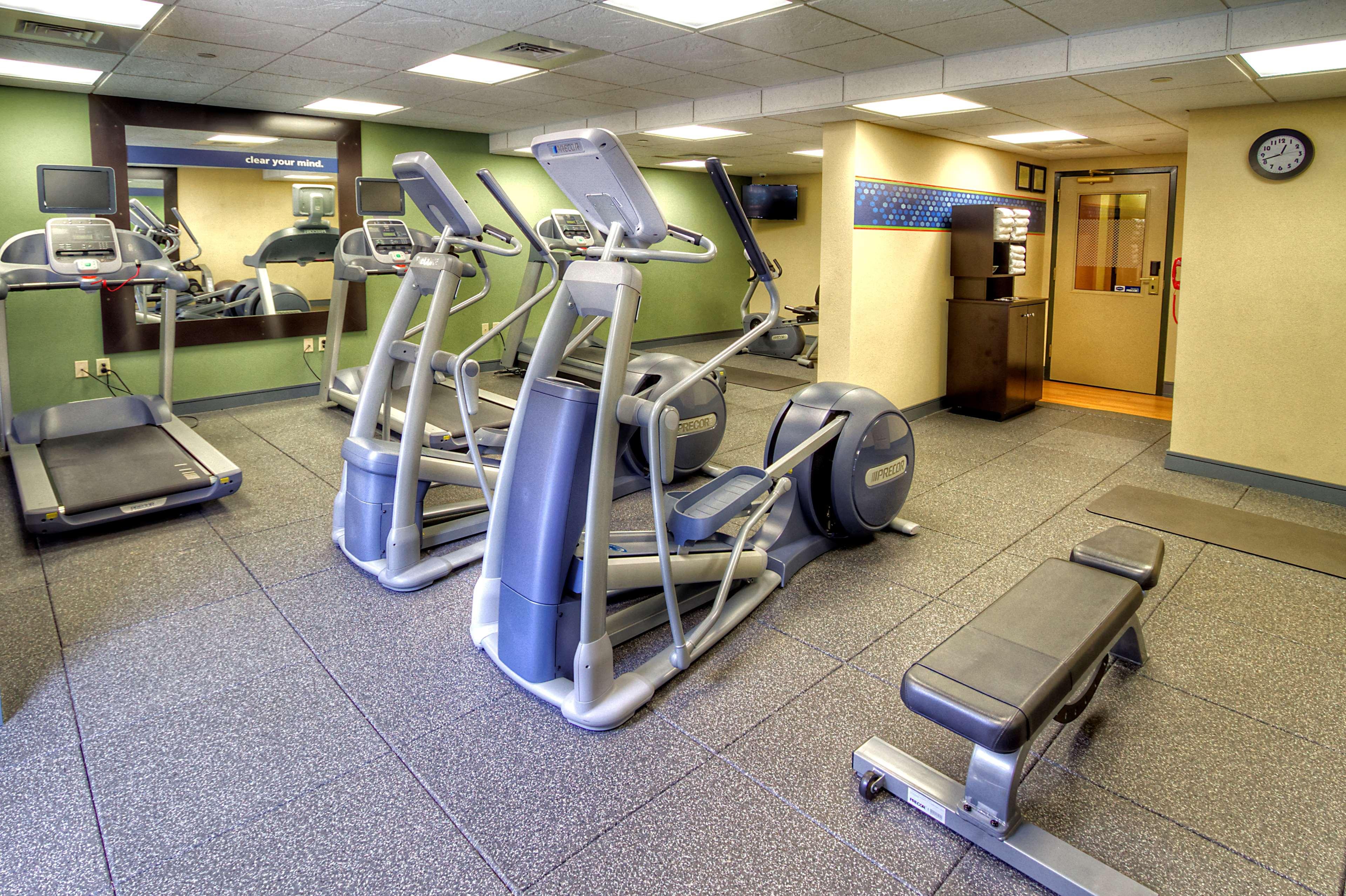 Hampton Inn & Suites Asheville-I-26 image 8