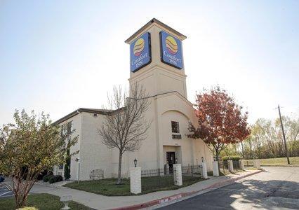 Hotel in TX Cedar Park 78613 Comfort Inn 300 E. Whitestone Blvd  (512)259-1810