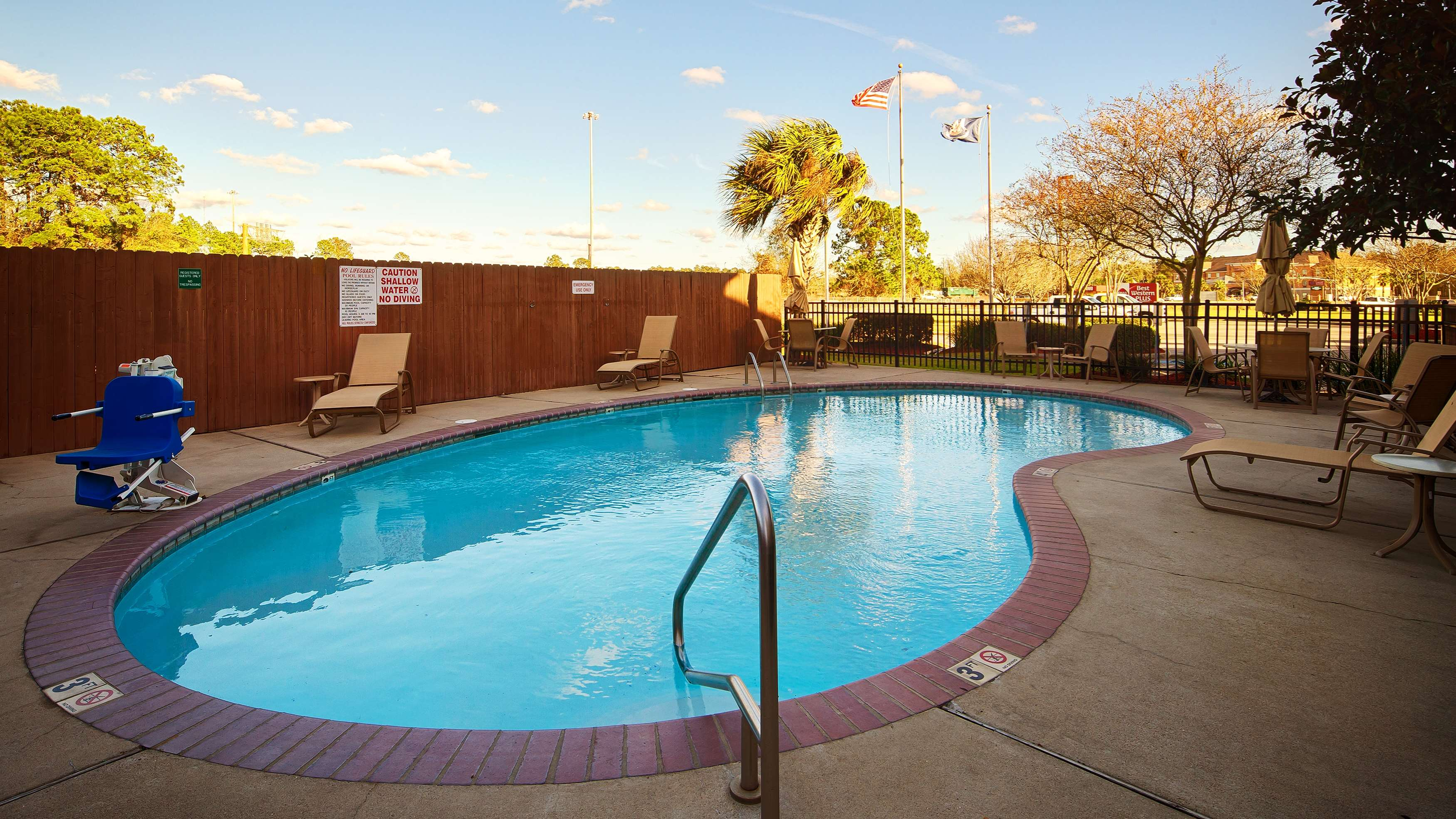 Best Western Plus Executive Hotel & Suites image 29