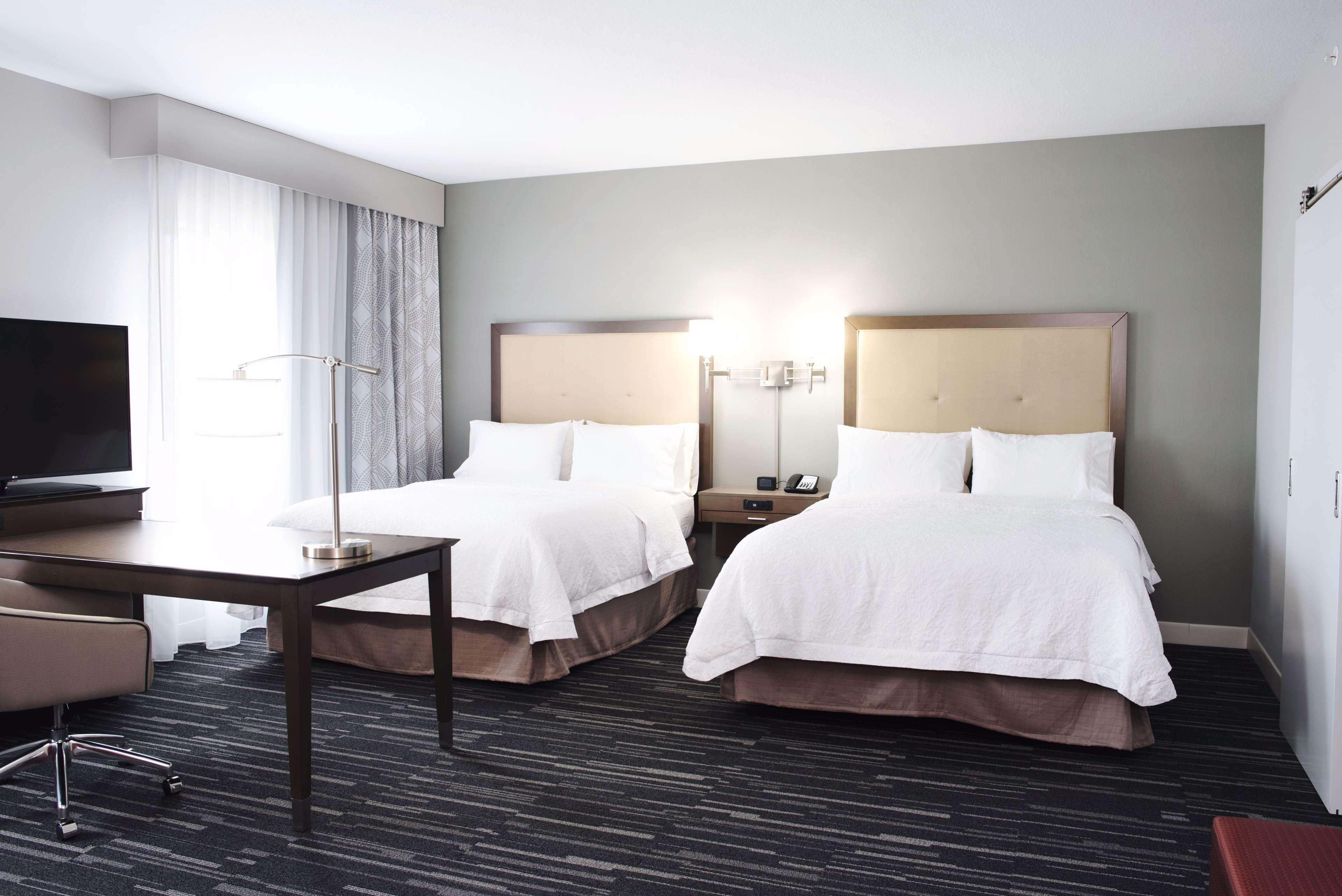 Hampton Inn & Suites Des Moines/Urbandale image 25