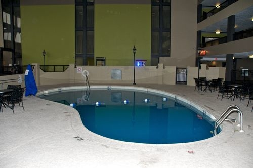 Holiday Inn Morgantown/Pa Turnpike Ex 298 - ad image