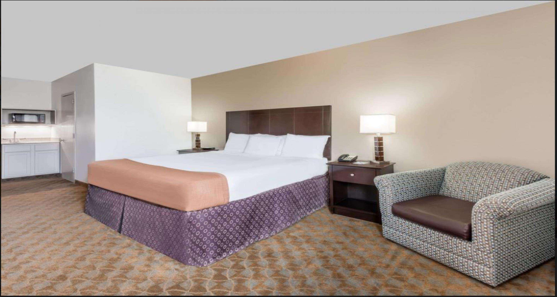 SureStay Plus Hotel by Best Western Lubbock Medical Center image 8