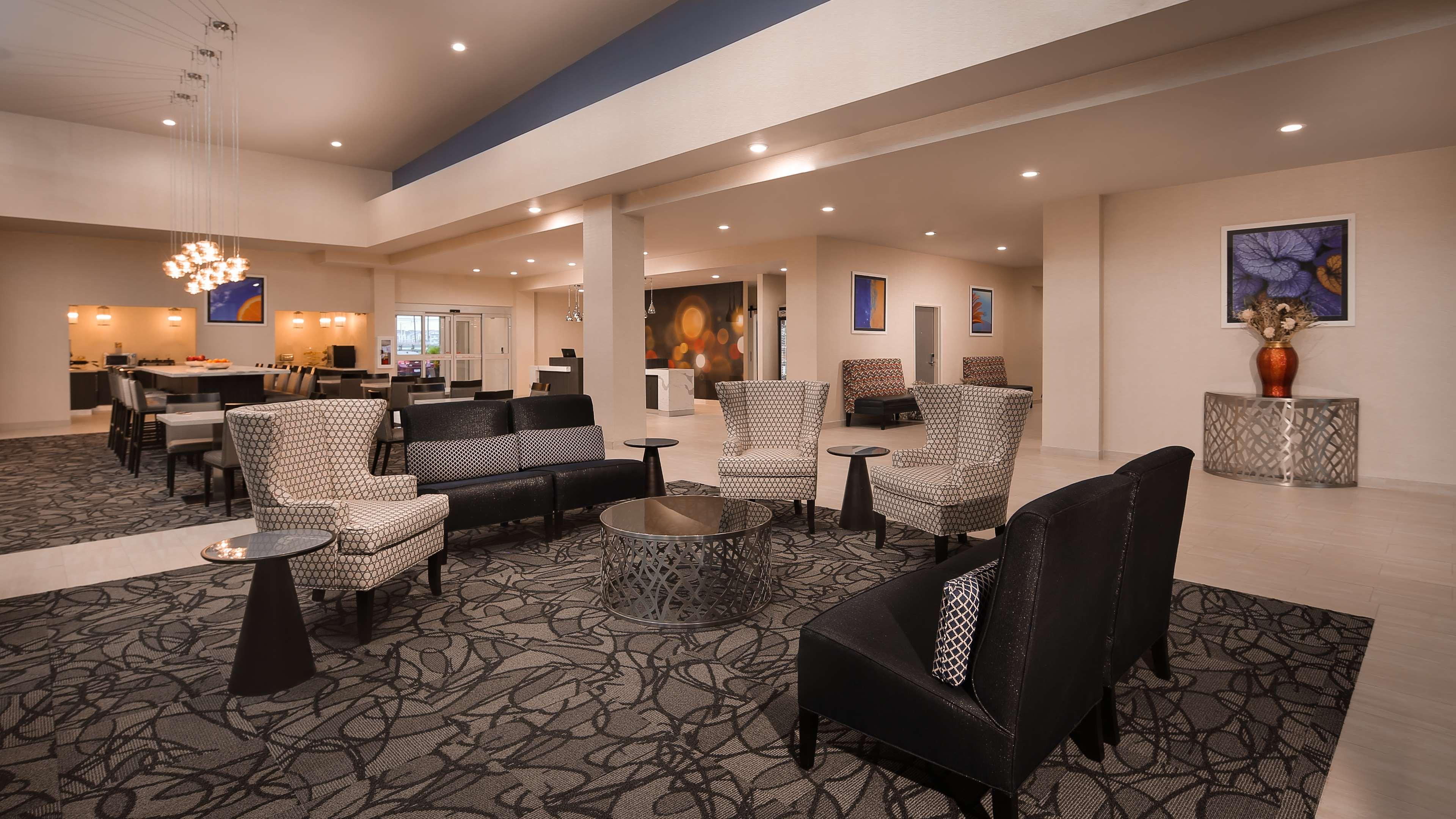 Best Western Plus Executive Residency Baytown image 5