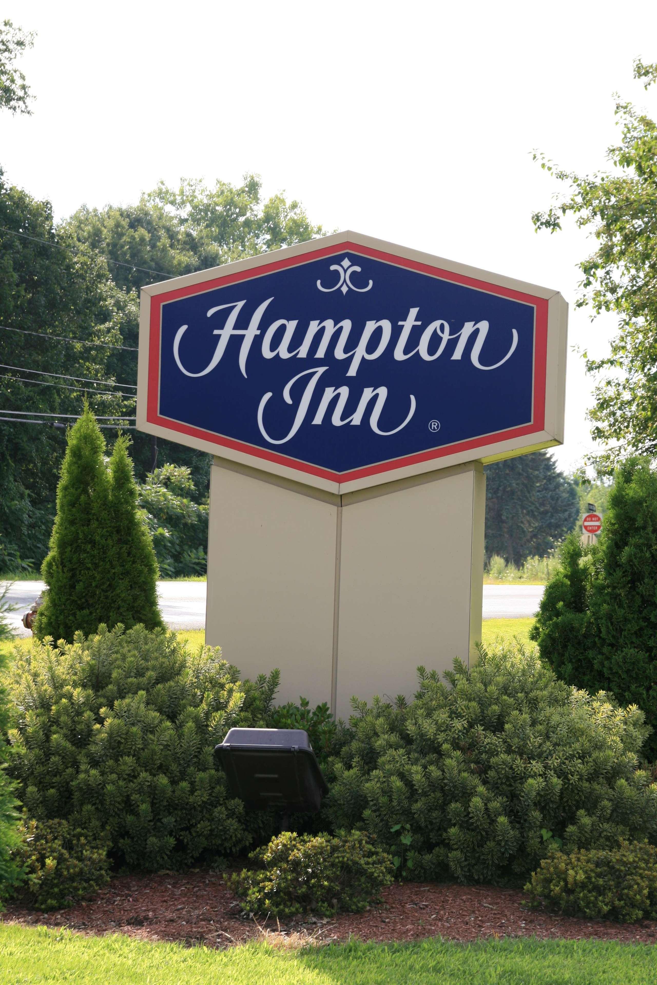 Hampton Inn Hadley-Amherst Area image 5