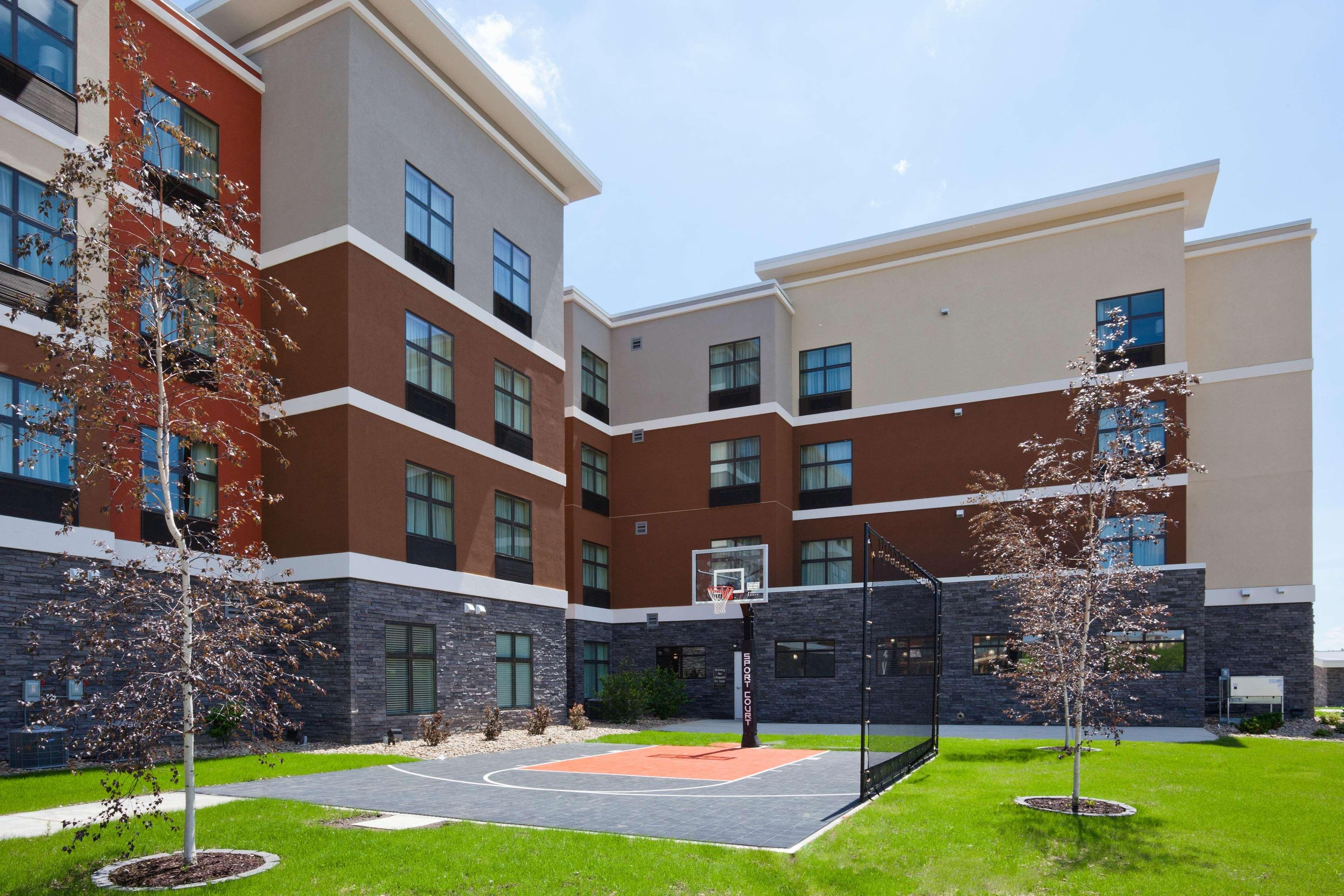 Homewood Suites by Hilton Davenport image 8