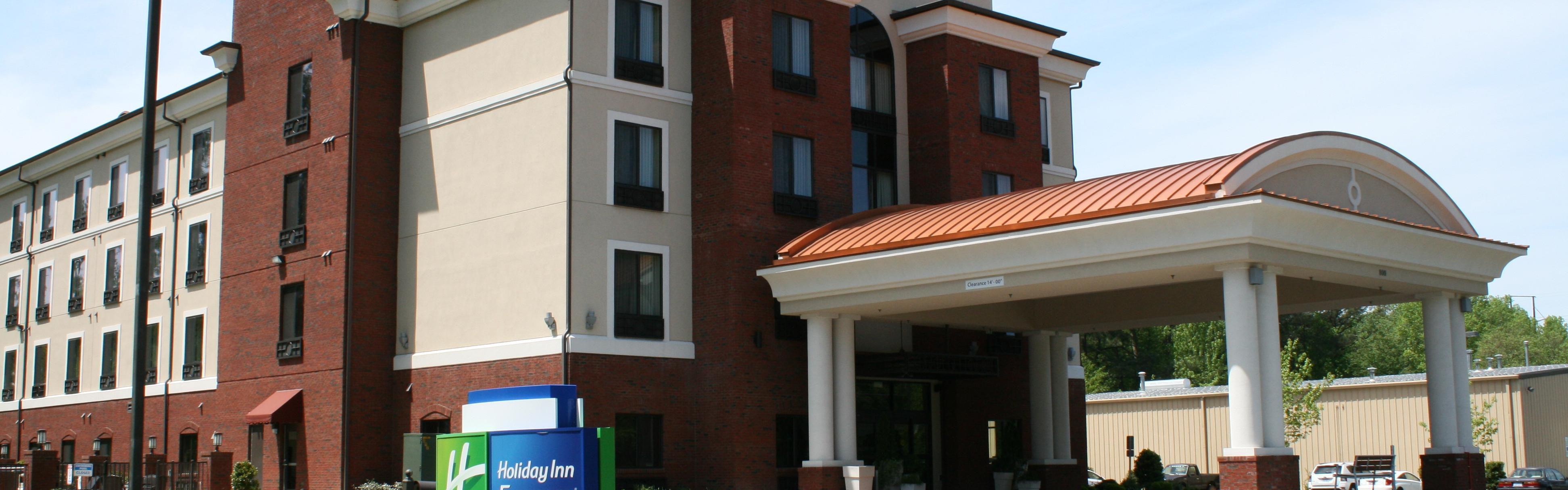 Holiday Inn Express Rockingham image 0