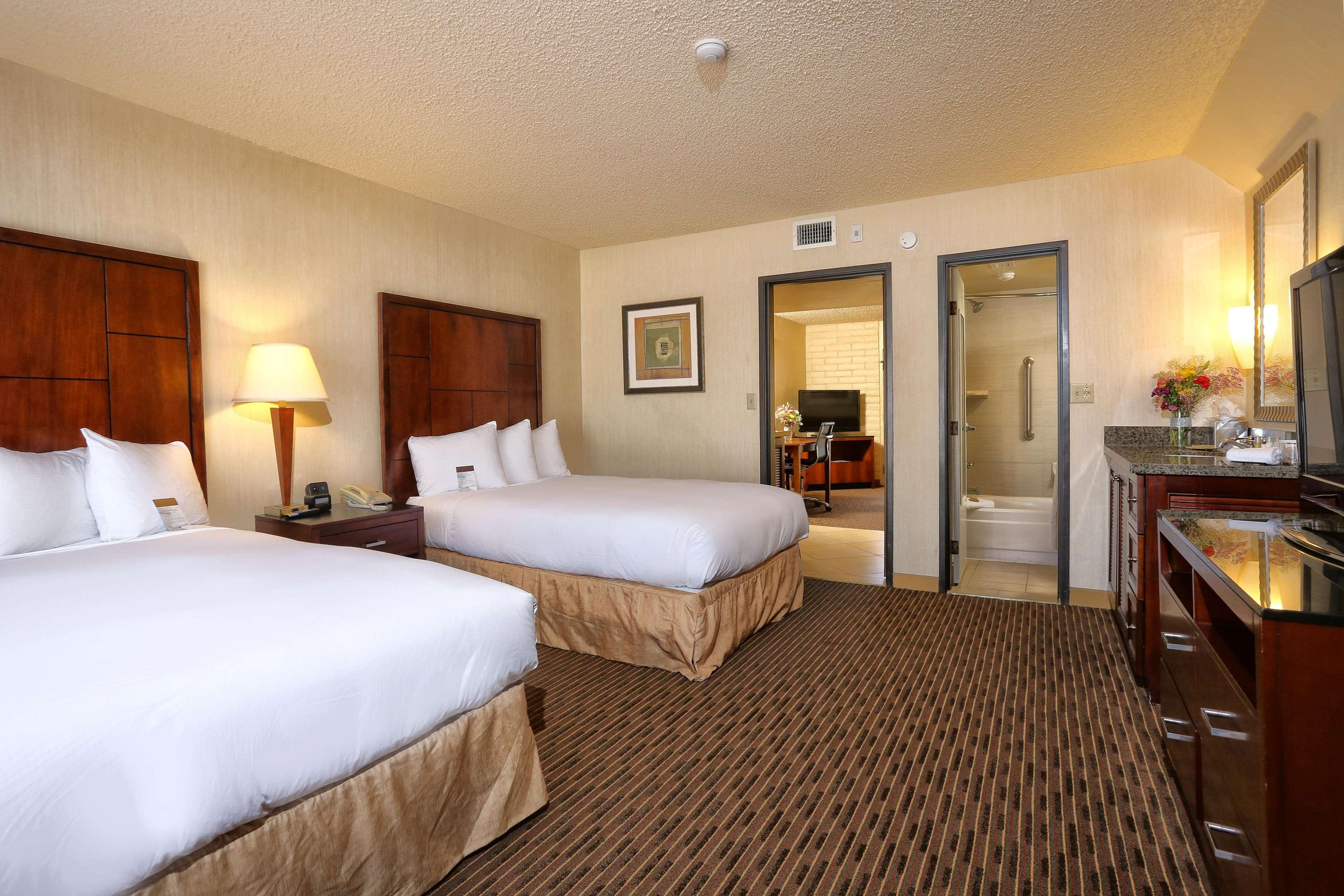 Benson, AZ doubletree suites by hilton tucson airport | Find ...