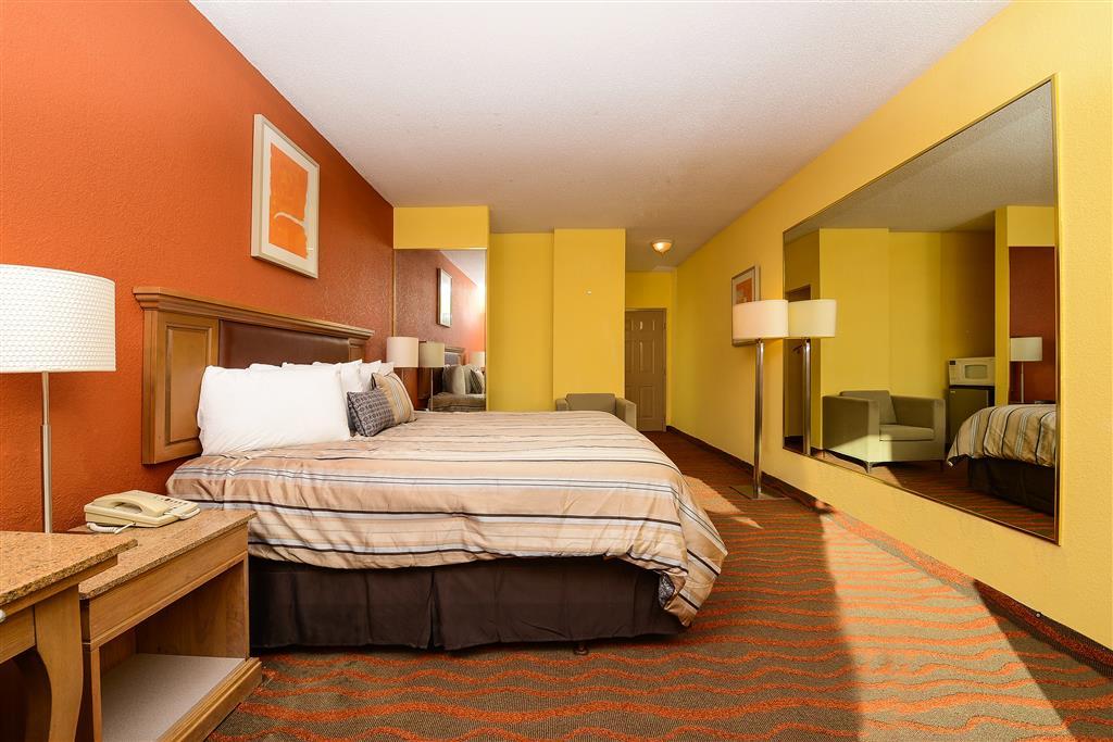 Americas Best Value Inn Winter Haven image 5