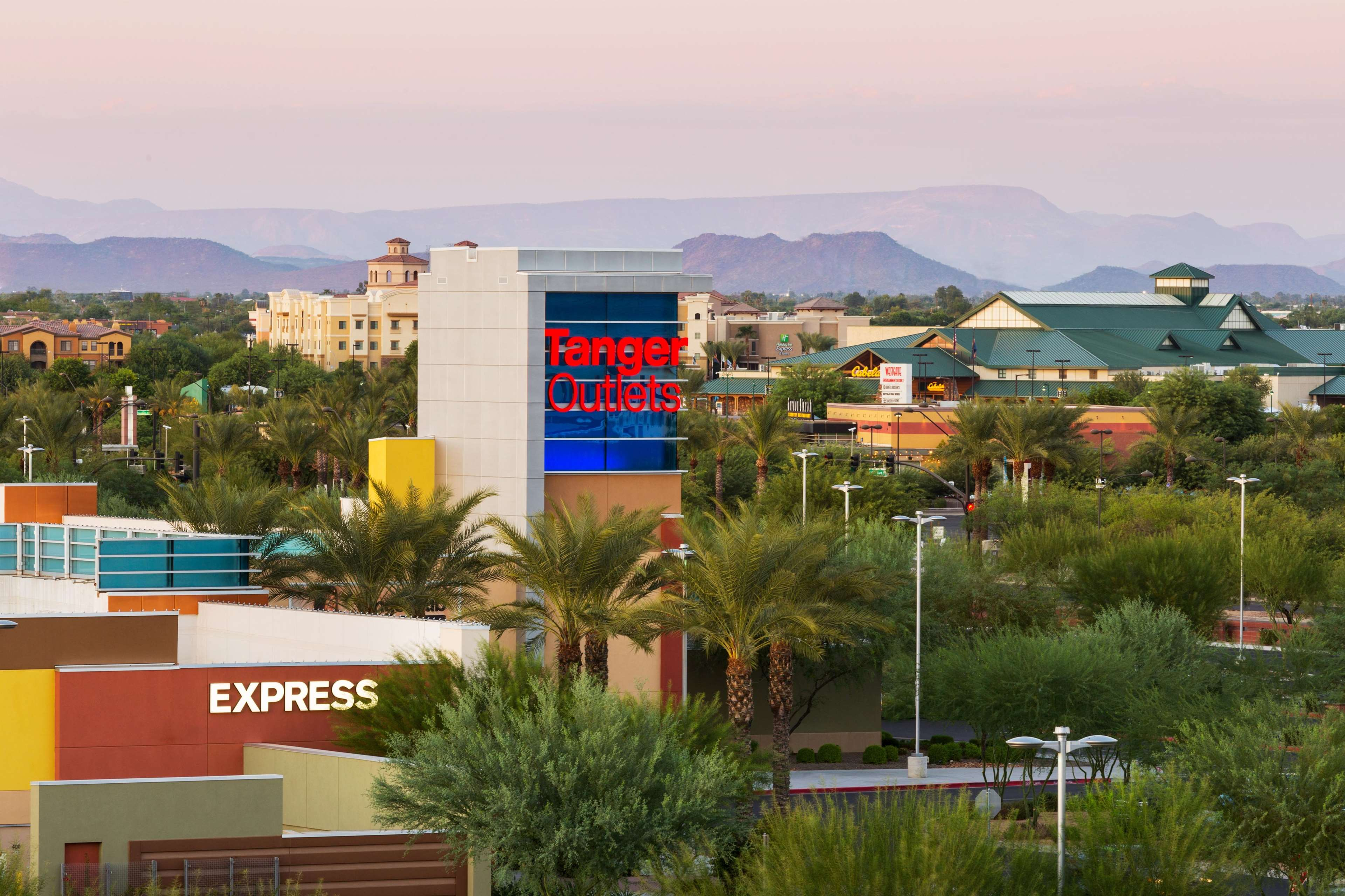Hampton Inn & Suites Phoenix Glendale-Westgate image 28