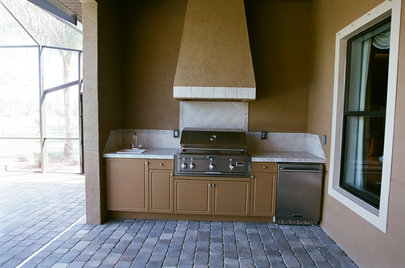 Outdoor Cabinets Direct image 3