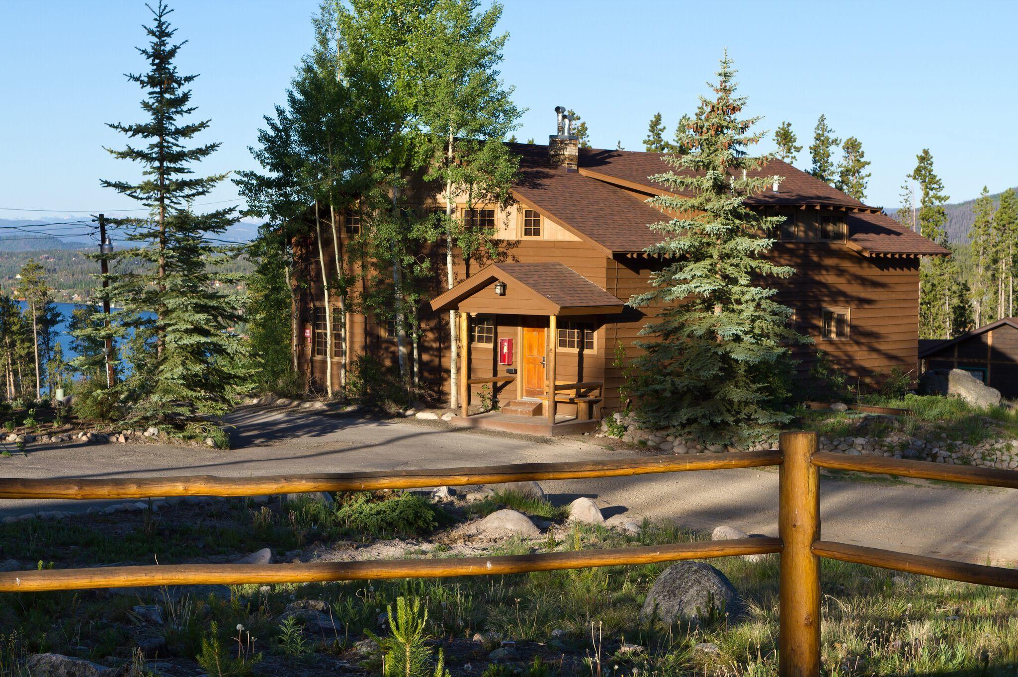Grand Lake Lodge image 6