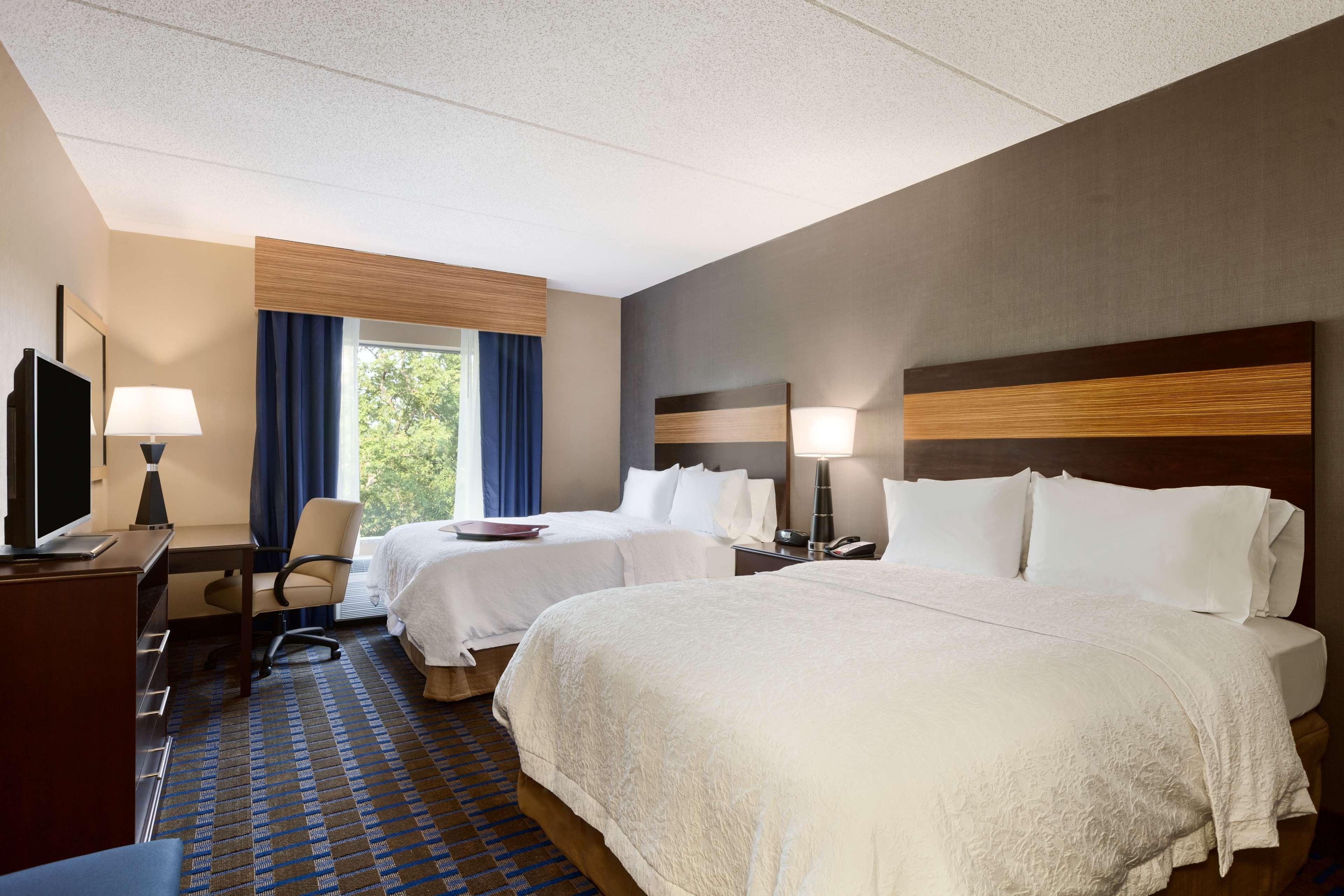 Hampton Inn & Suites Camp Springs/Andrews AFB image 7