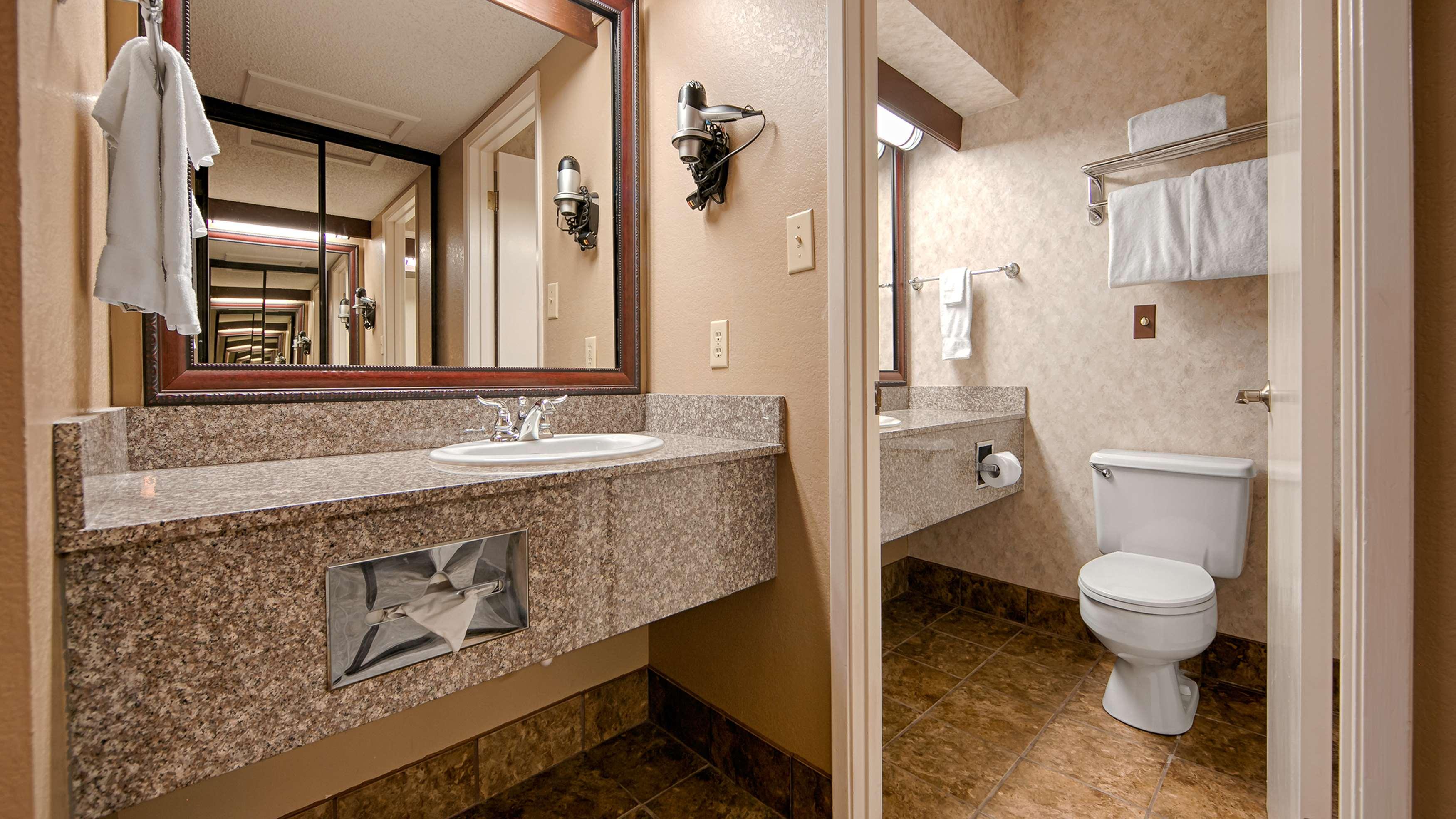 Best Western Plus Humboldt House Inn image 38