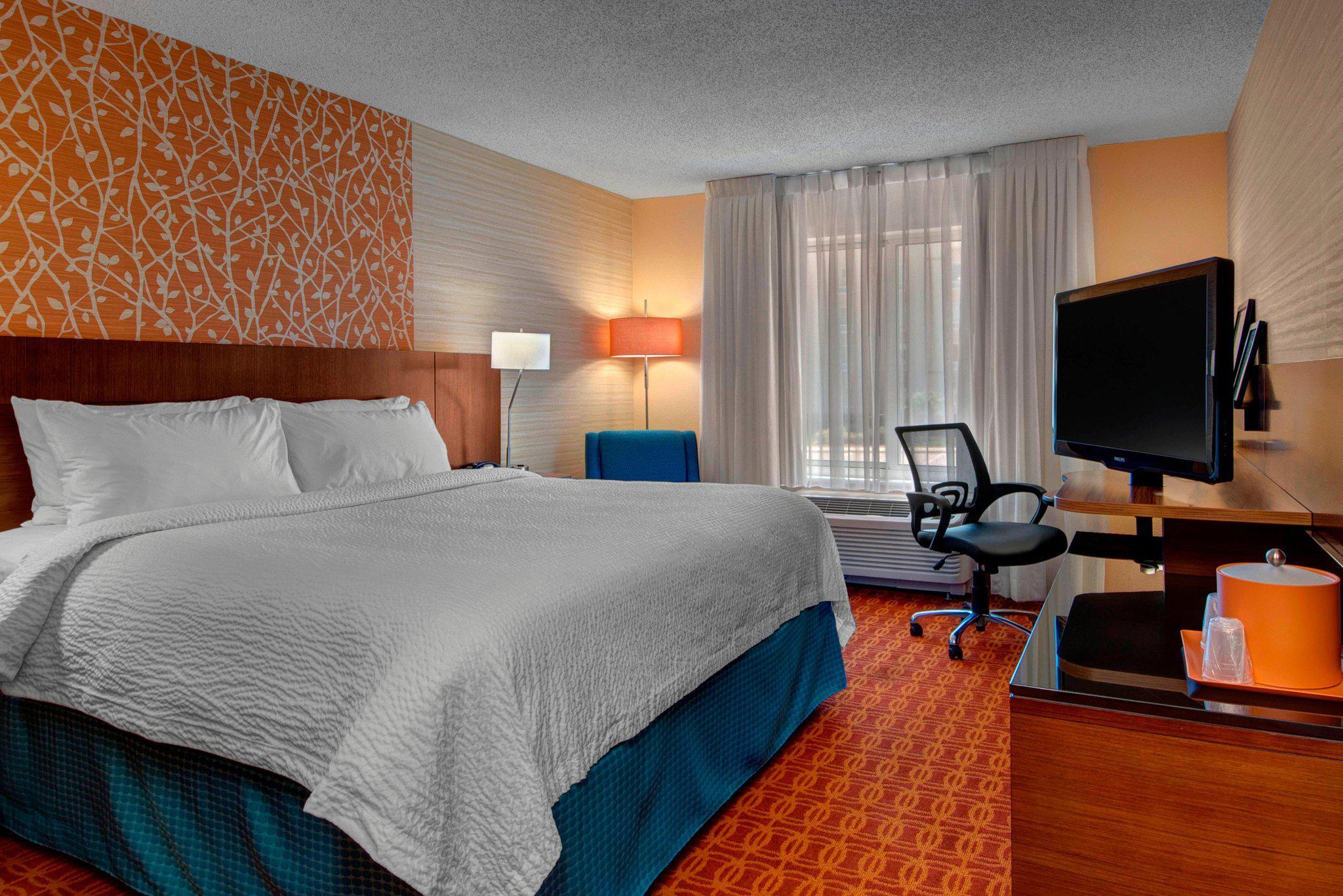 Fairfield Inn & Suites by Marriott Fort Worth I-30 West Near NAS JRB