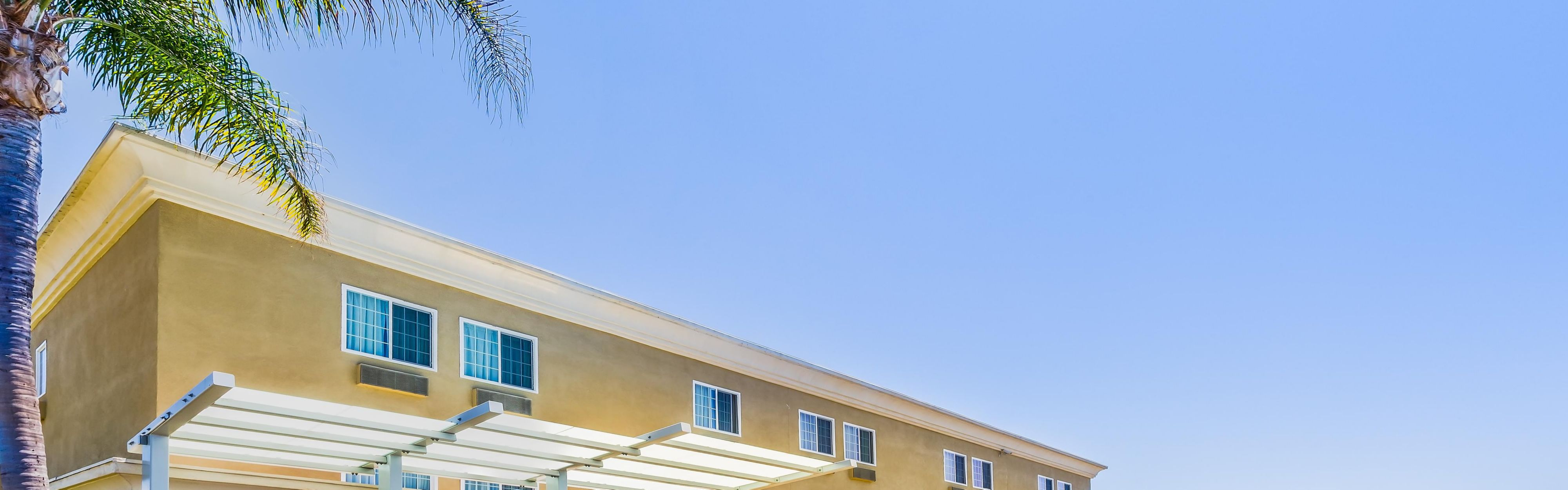 Holiday Inn Express San Diego SeaWorld-Beach Area image 0