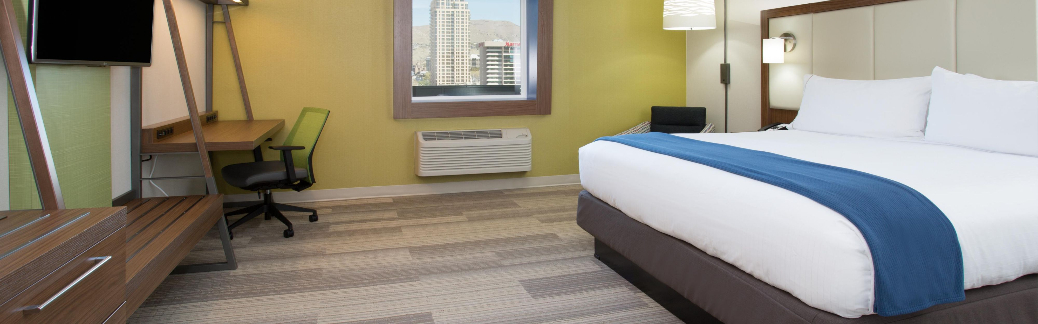 Holiday Inn Express & Suites Lee's Summit - Kansas City image 1