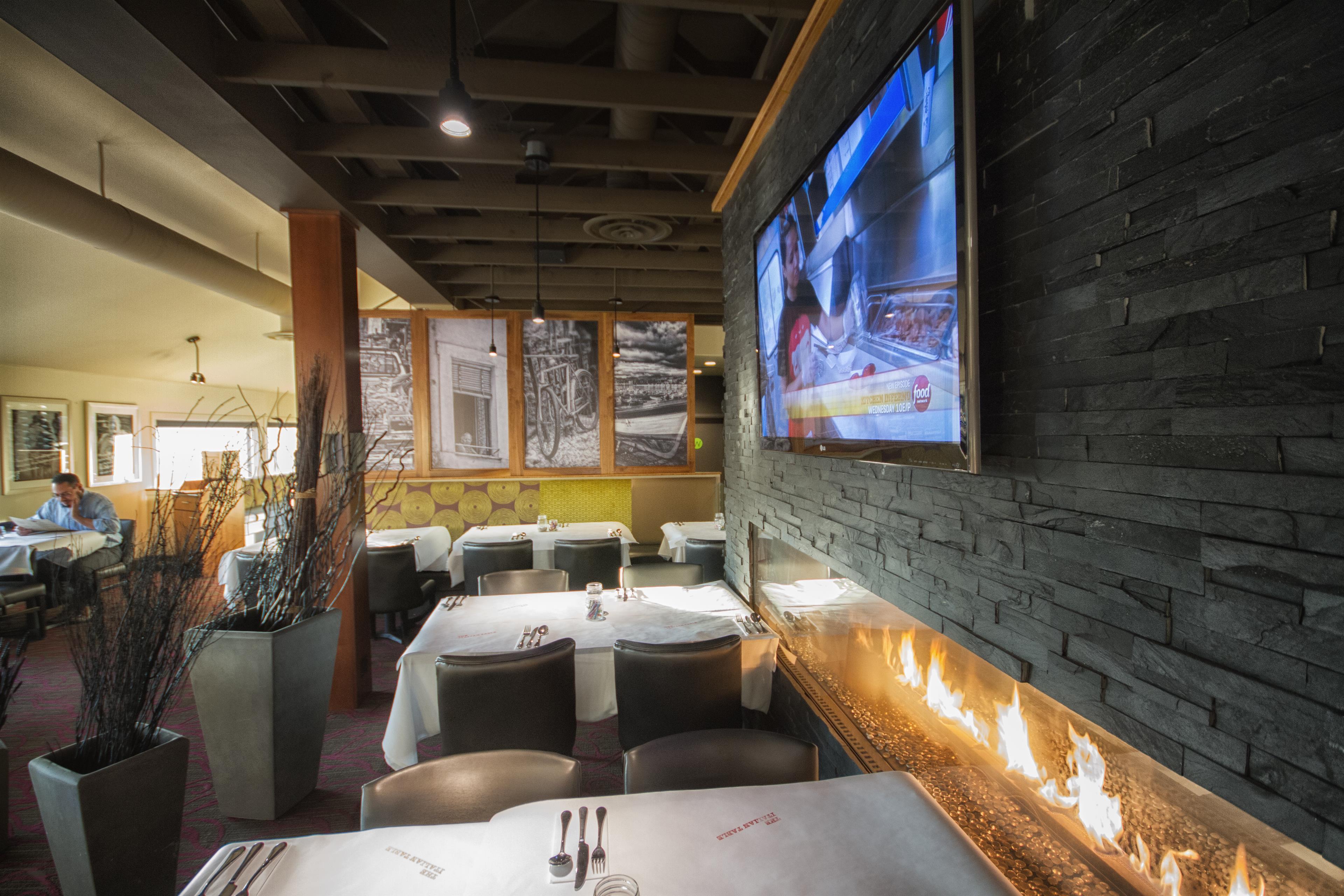 Best Western Plus Kelowna Hotel & Suites in Kelowna: Restaurant - Cornerstone Grill