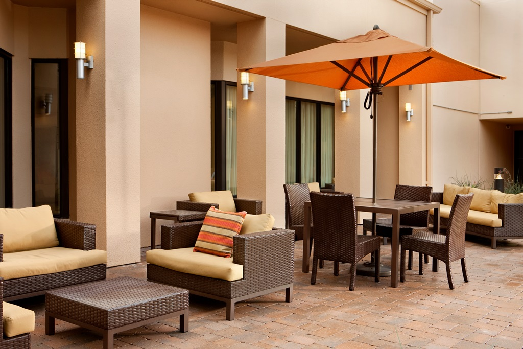 Courtyard by Marriott Fort Worth University Drive image 3