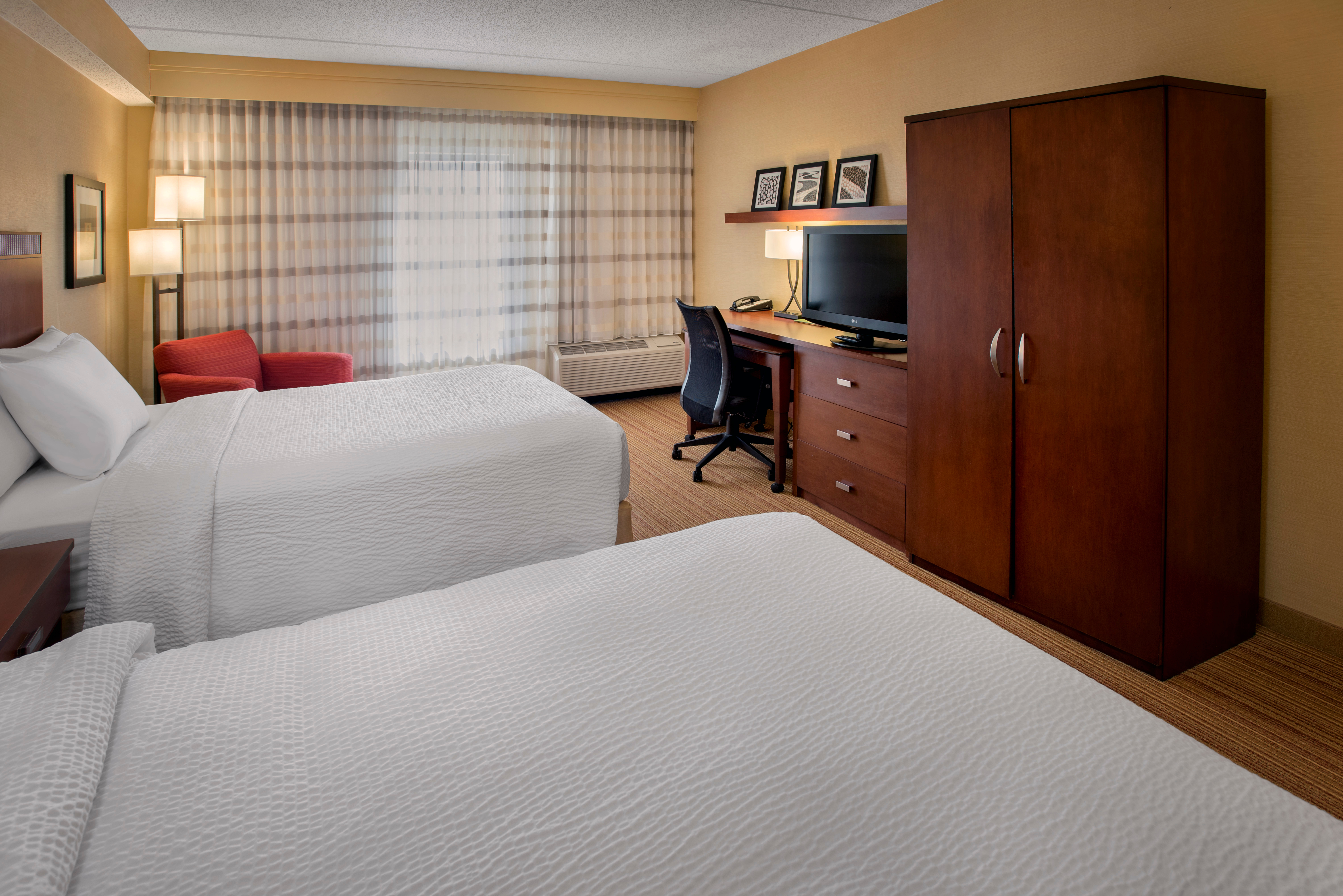 Courtyard by Marriott Boston Milford image 19