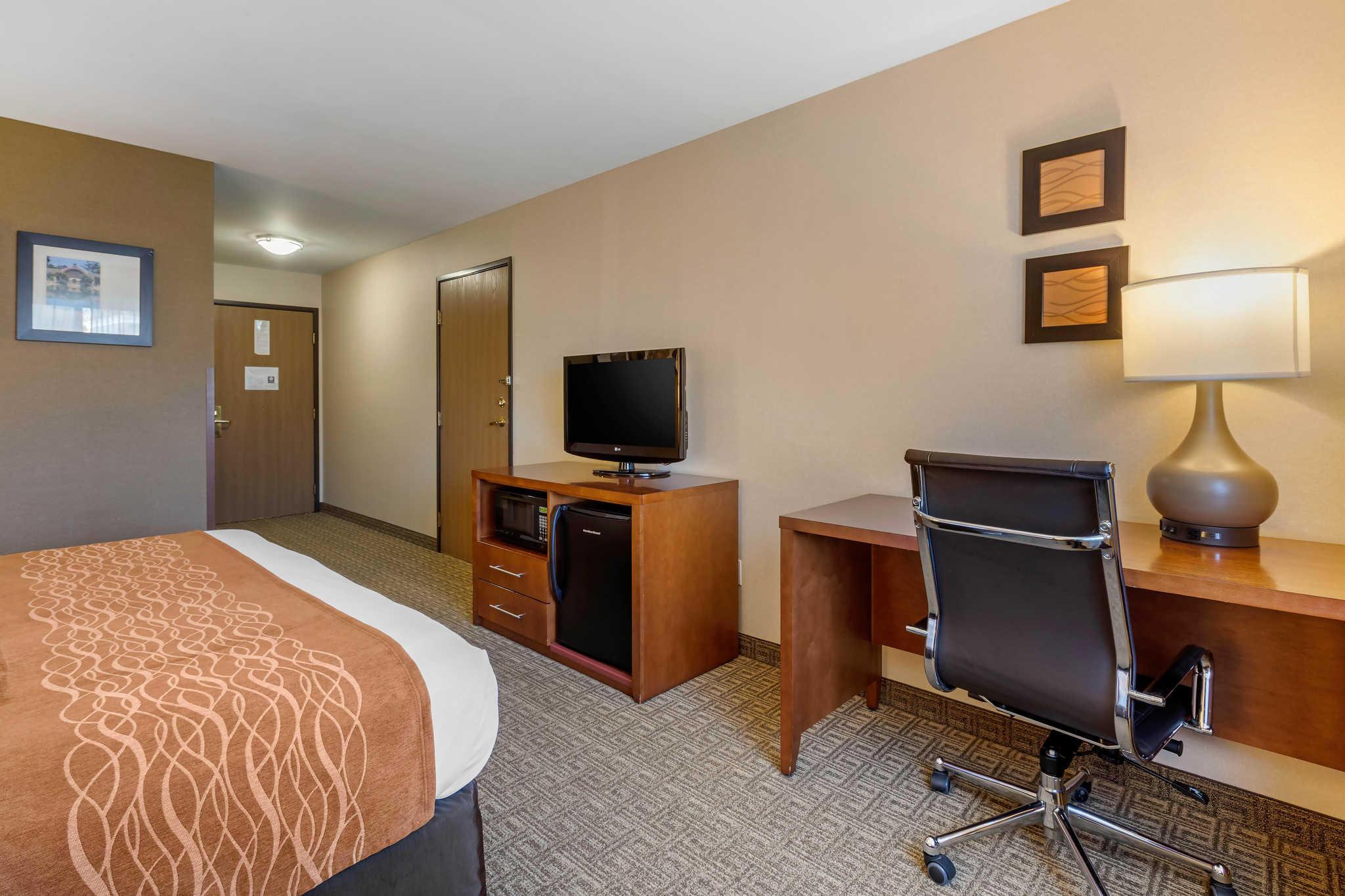 Comfort Inn & Suites Murrieta Temecula Wine Country image 7