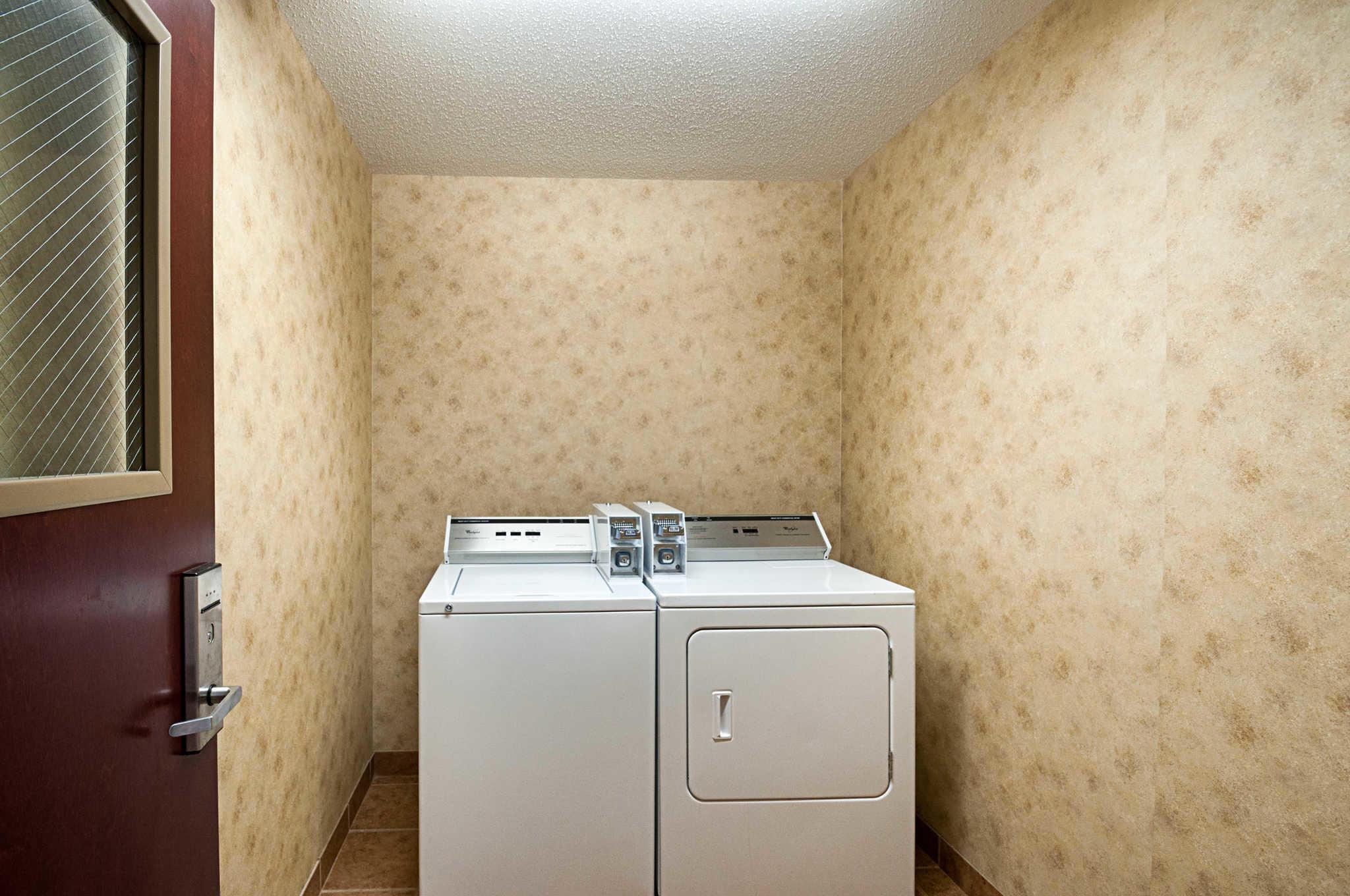 Comfort Inn & Suites Cambridge image 39