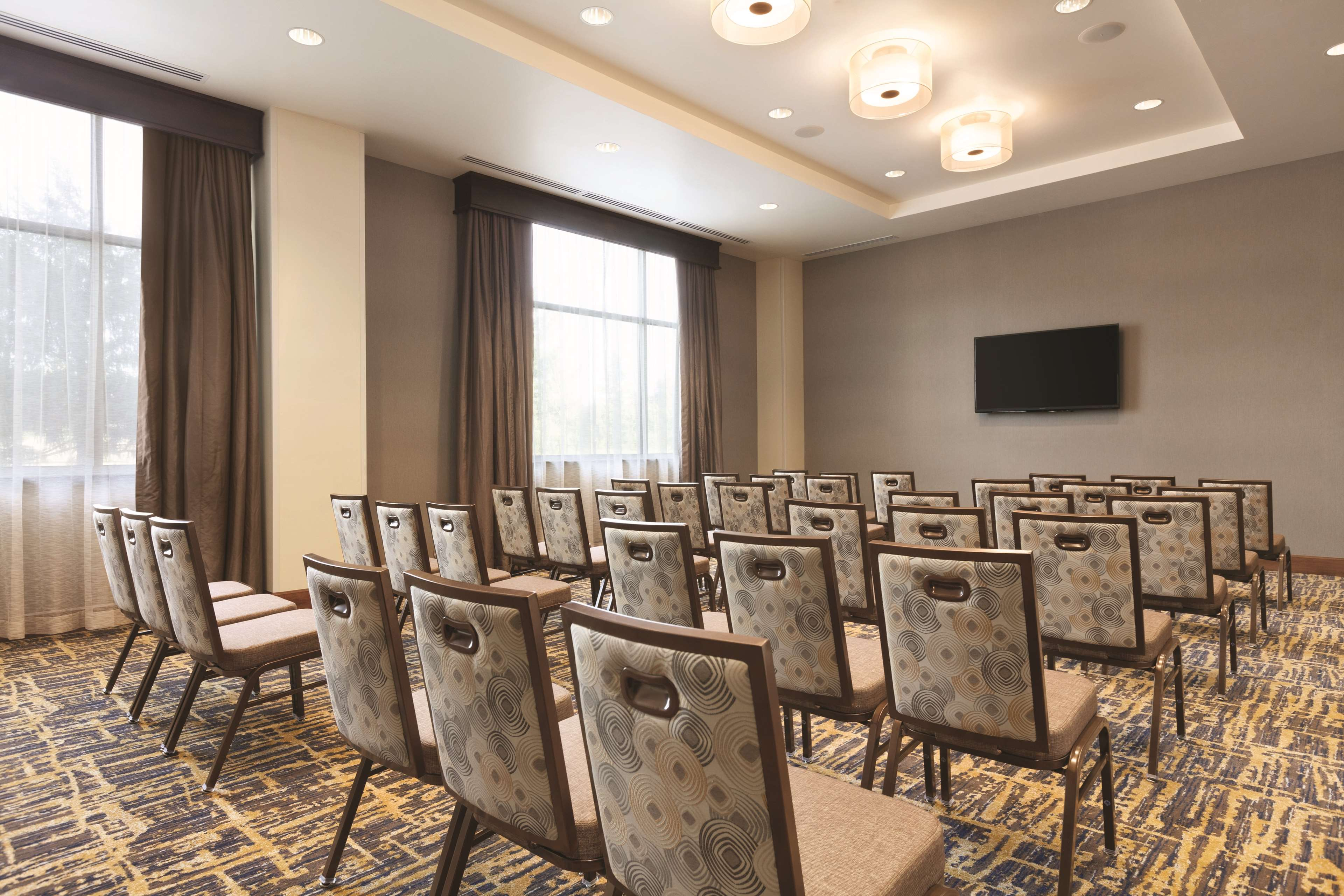 Embassy Suites by Hilton Portland Hillsboro, Oregon image 31