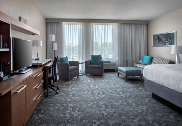 Courtyard by Marriott Philadelphia South at The Navy Yard image 11