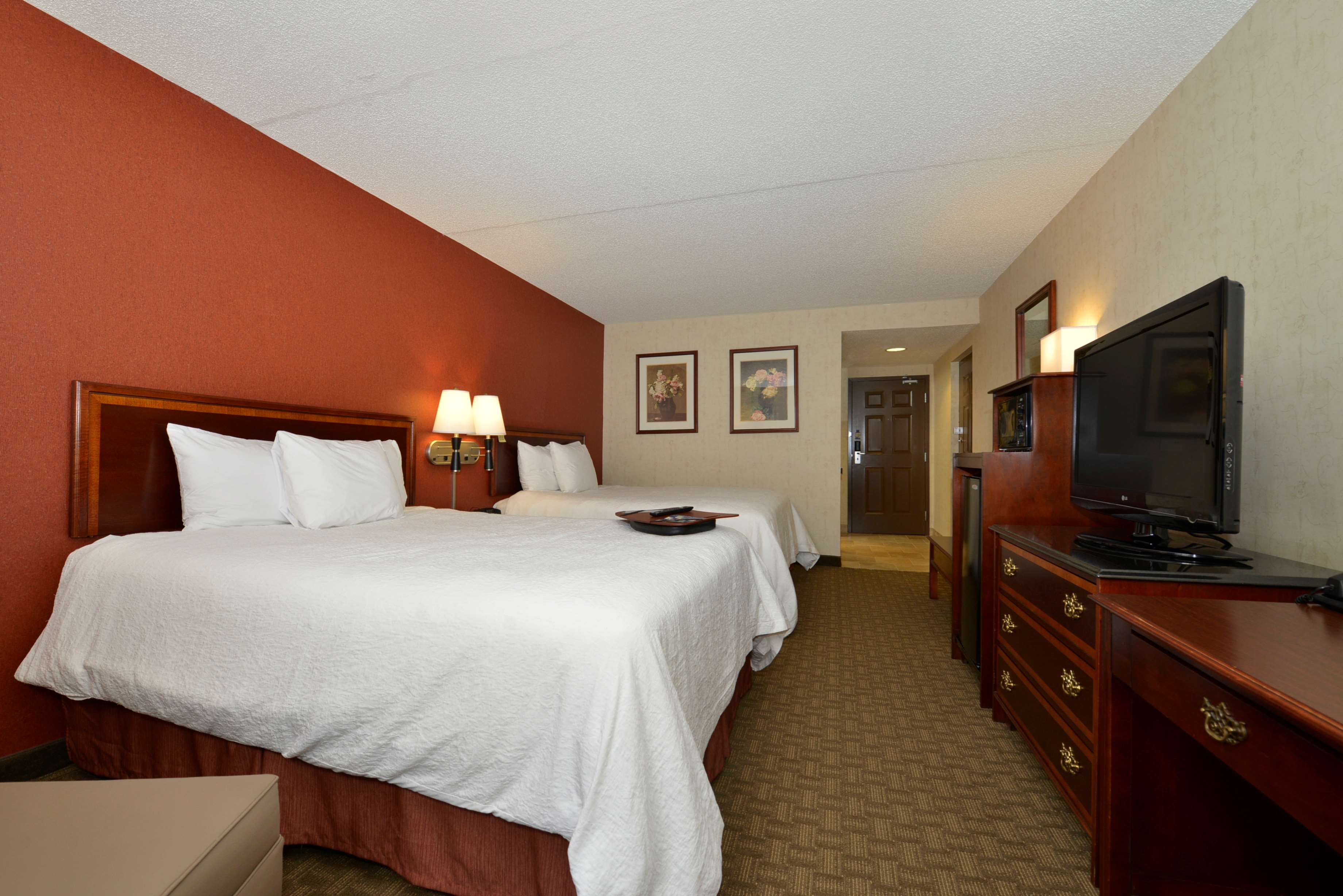 Hampton Inn East Aurora image 27