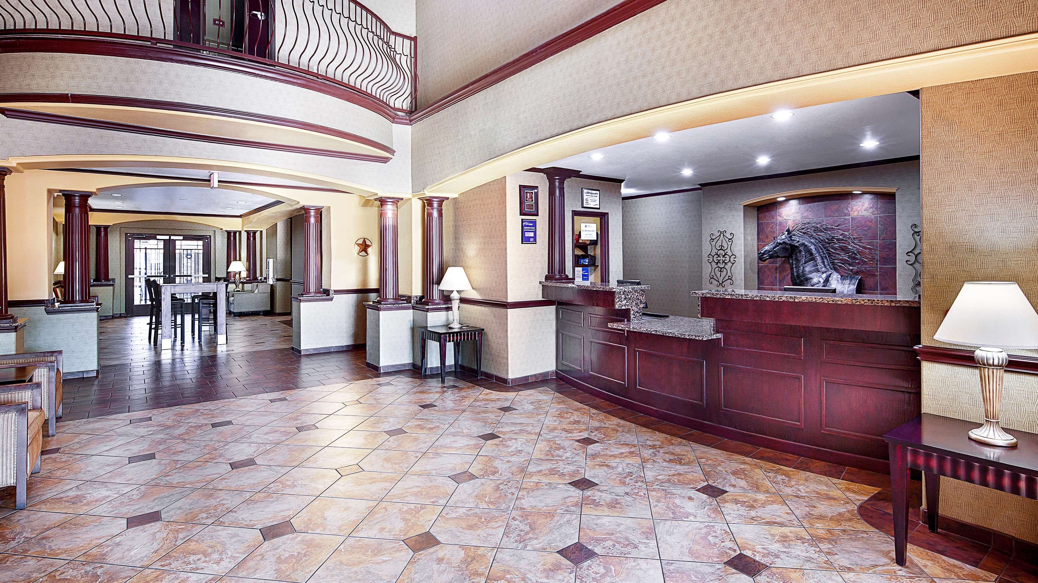 Best Western Plus Royal Mountain Inn & Suites image 4
