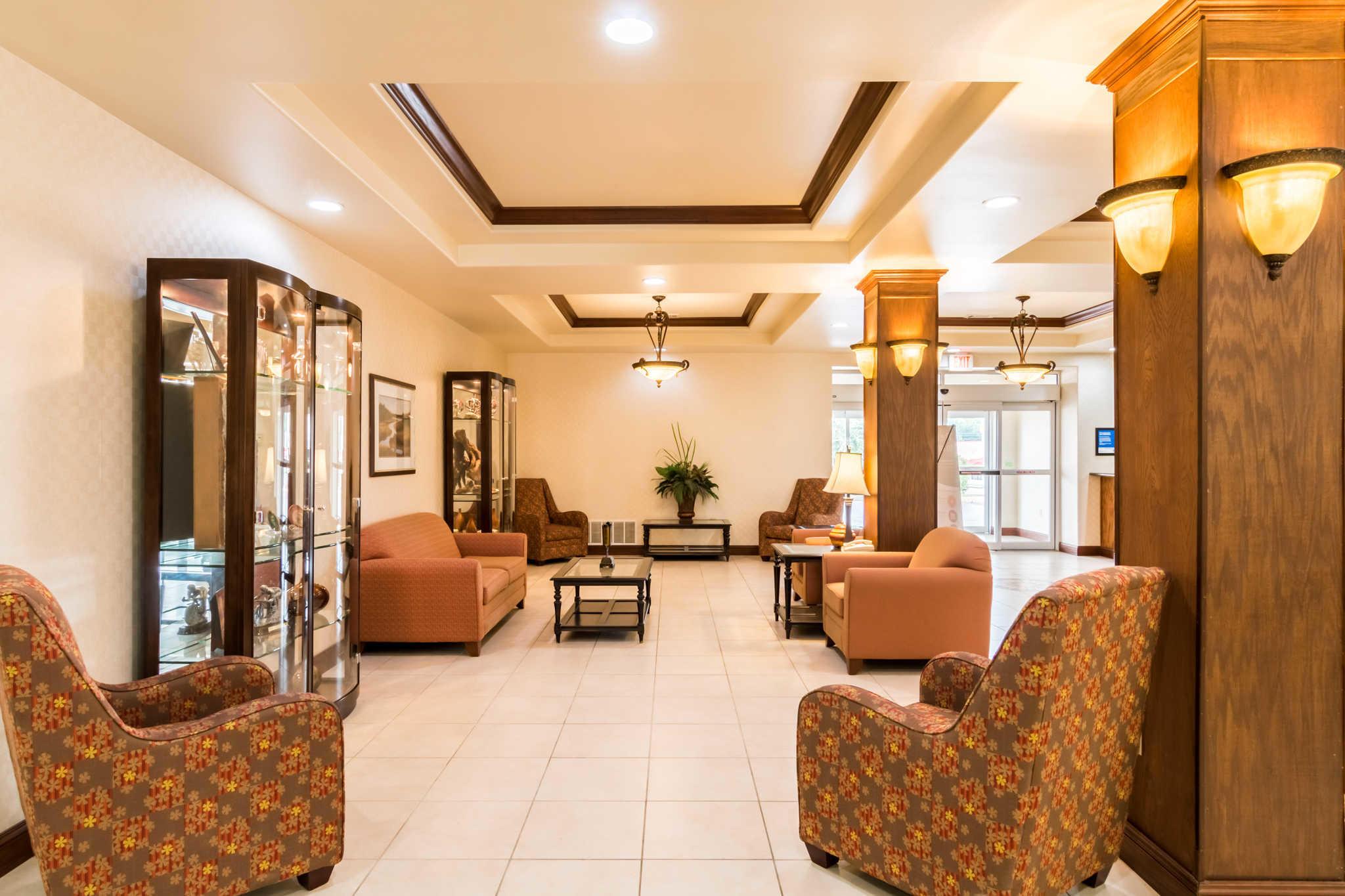 Comfort Inn & Suites near Comanche Peak image 4