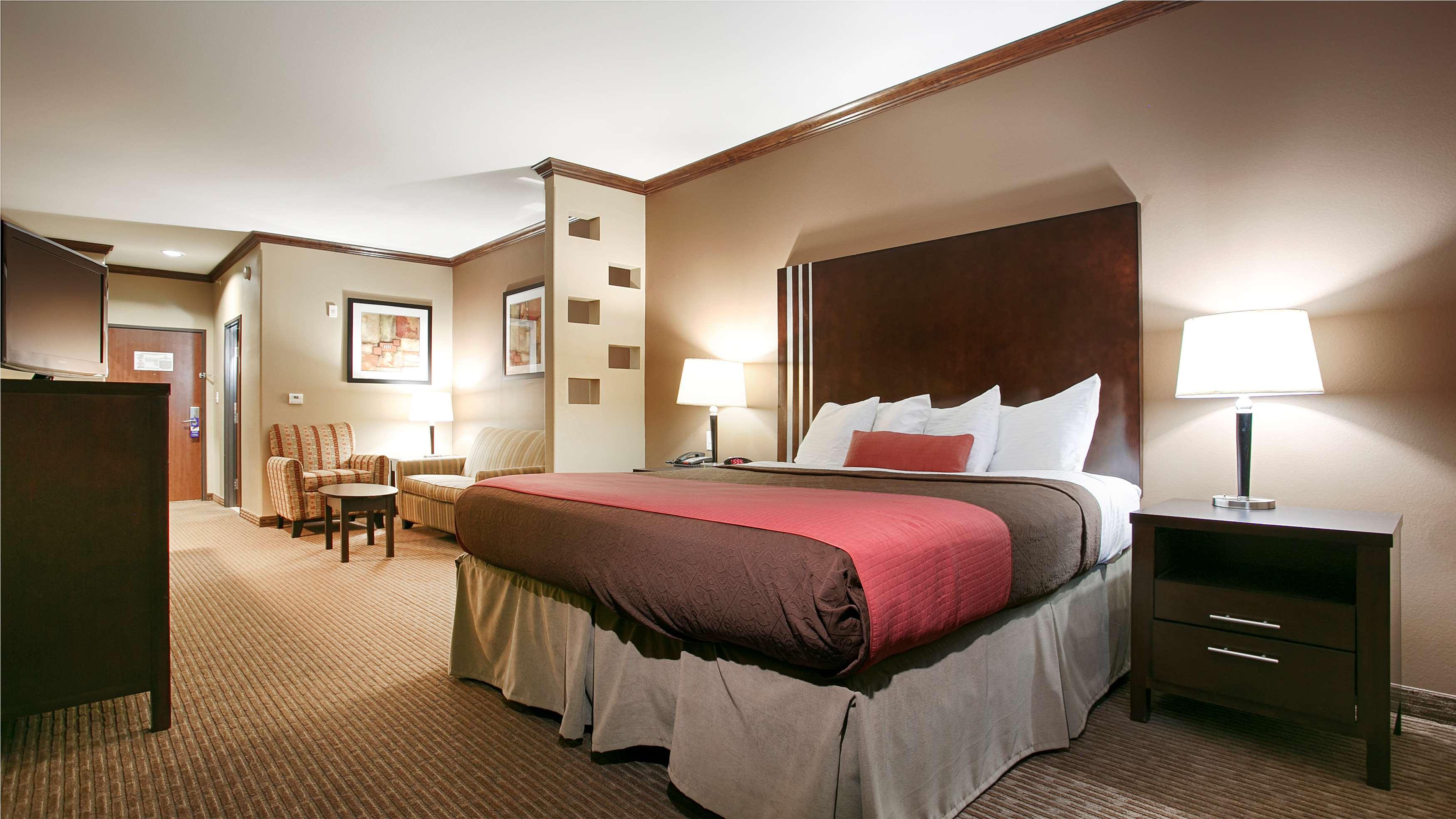 Best Western Plus Texoma Hotel & Suites image 16