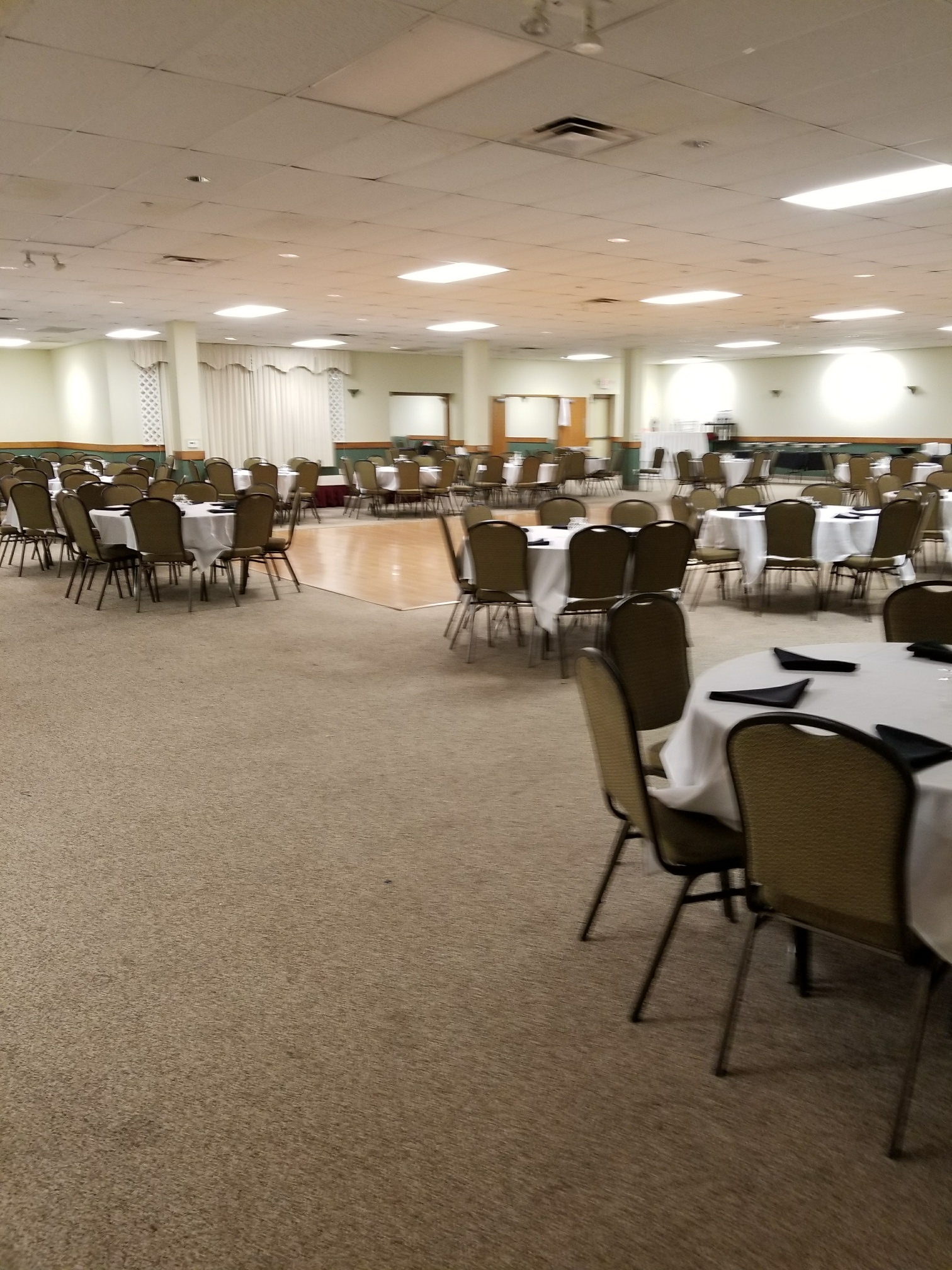 Garden Lake Banquet Hall image 4