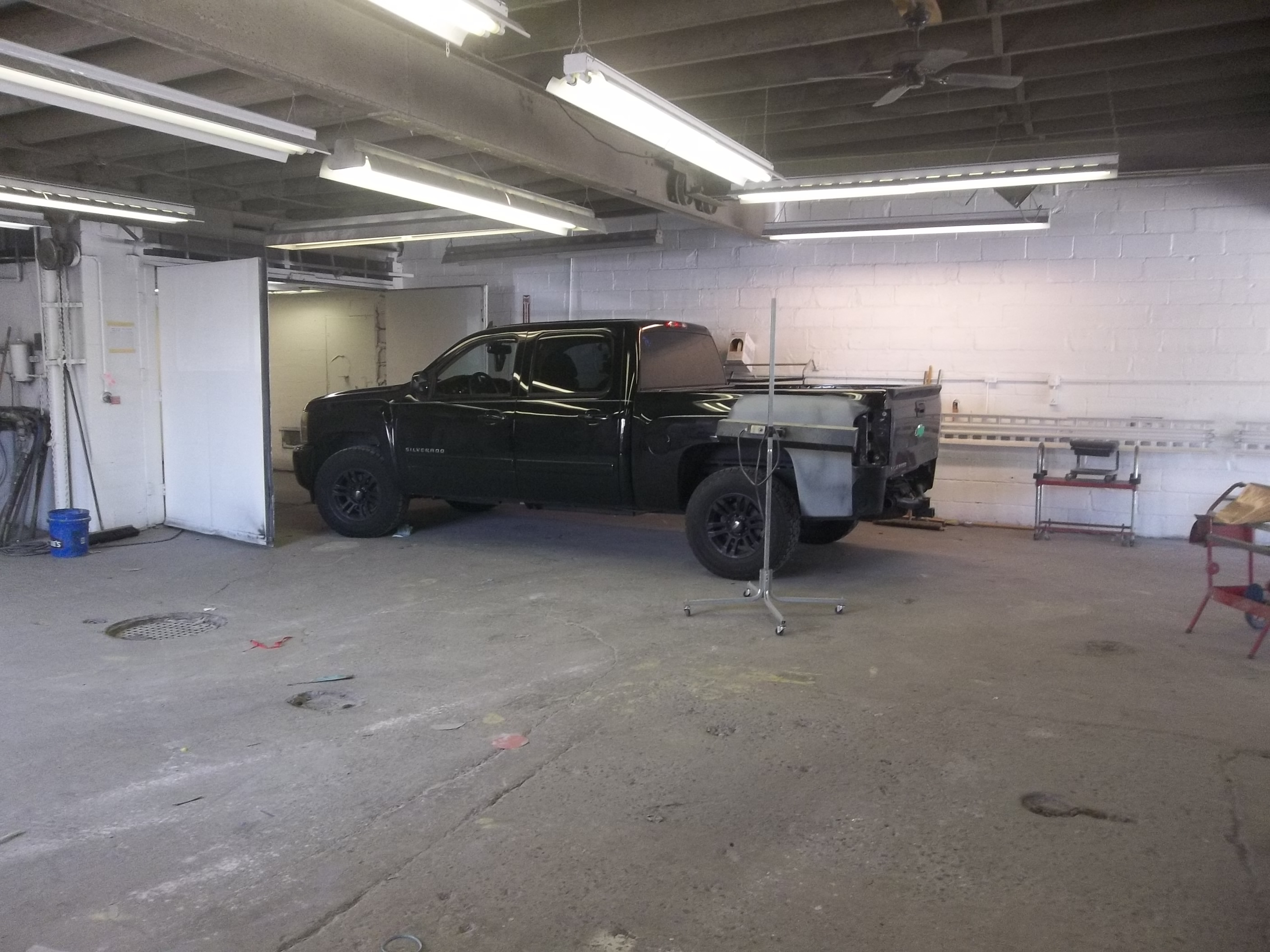 Lochmoor Collision Center image 11