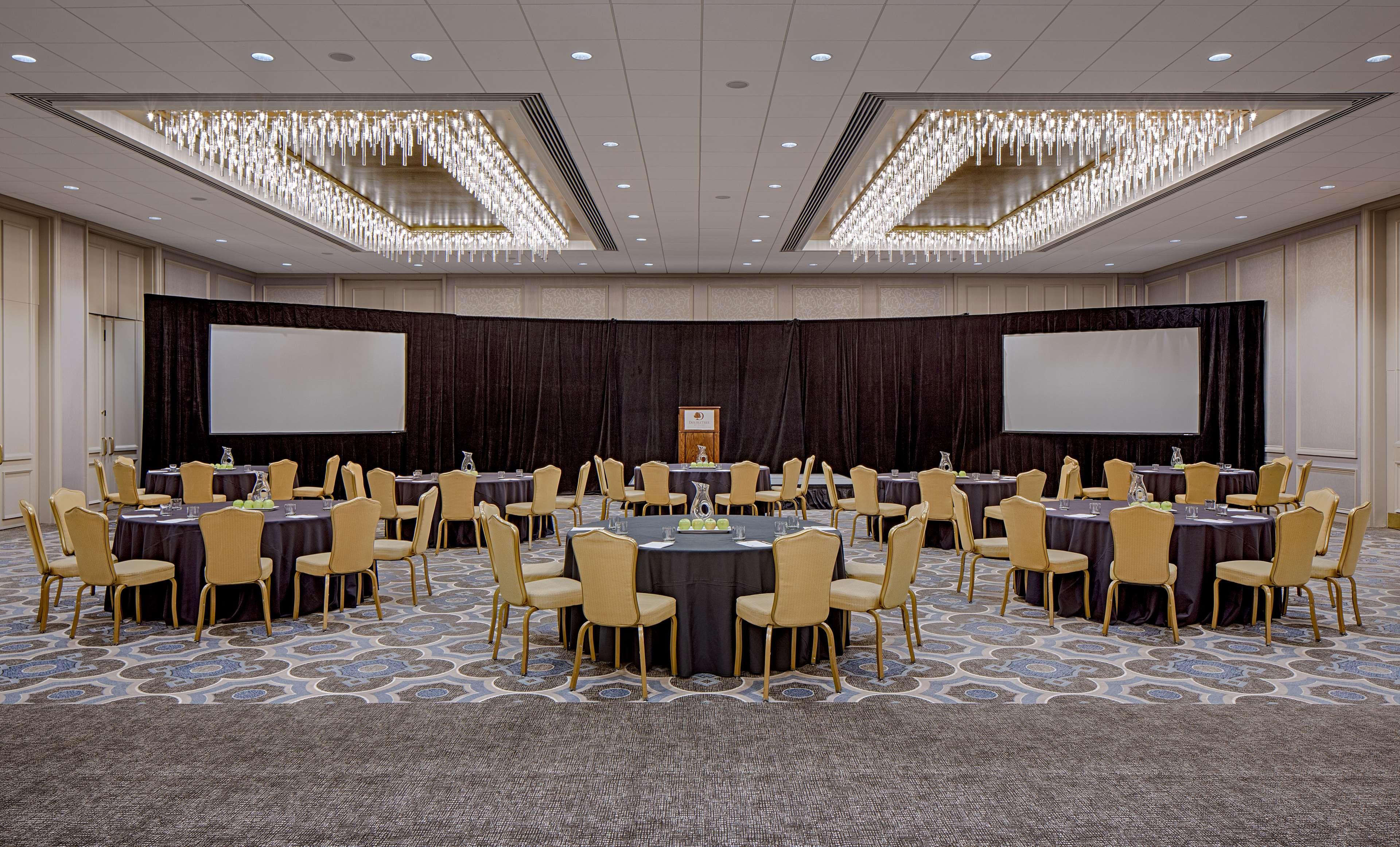 DoubleTree by Hilton Hotel Houston - Greenway Plaza image 35