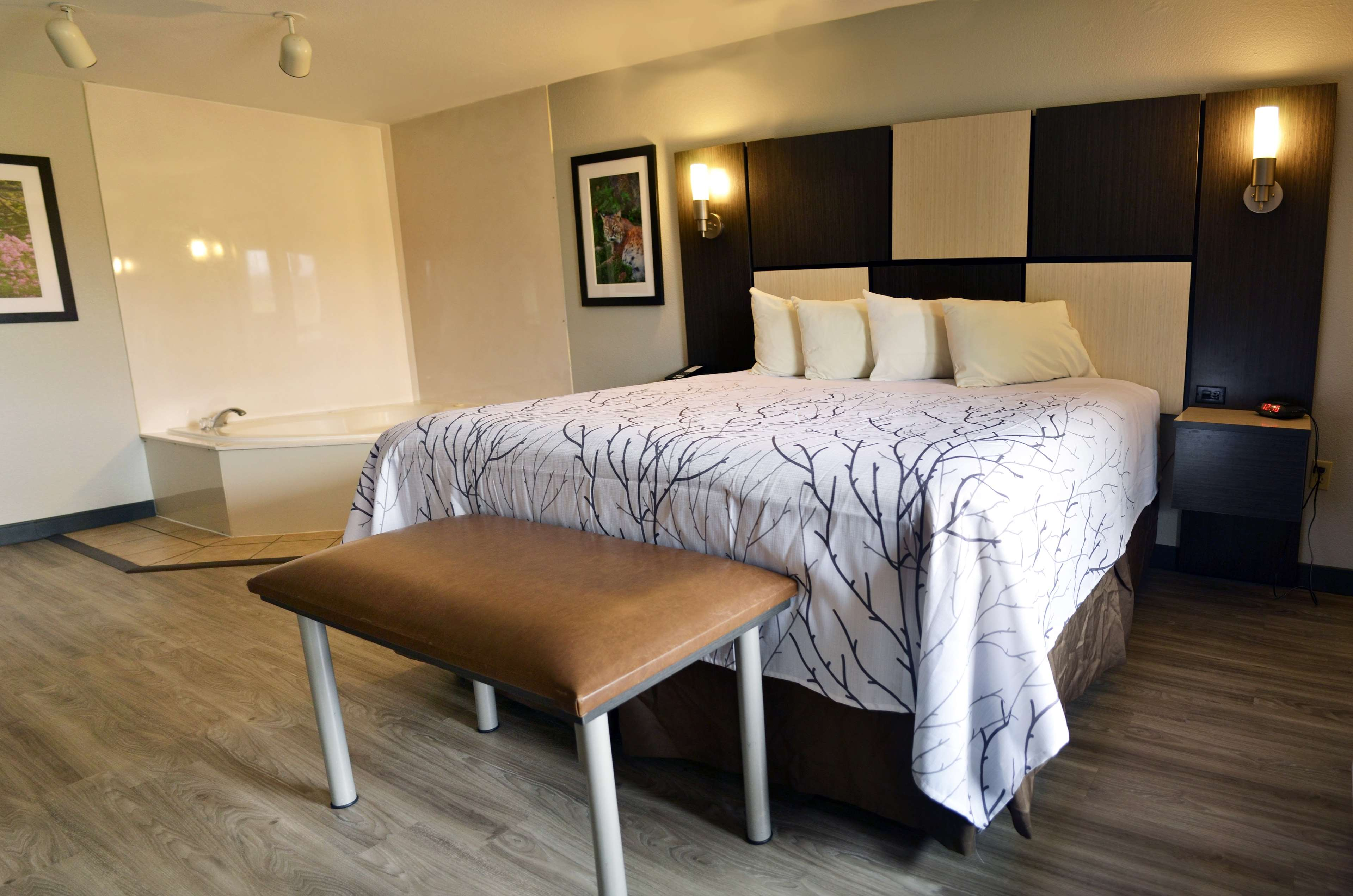 Best Western Cades Cove Inn image 36