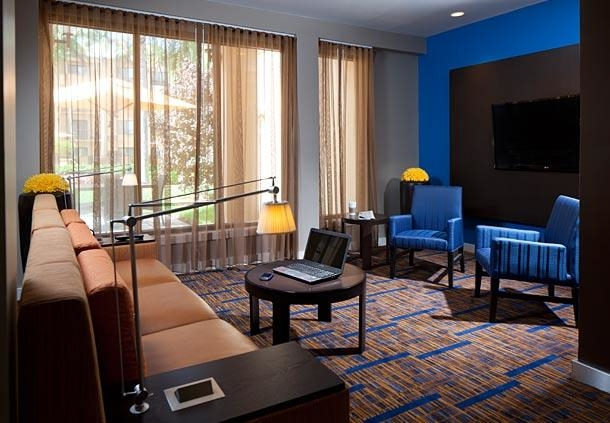 Courtyard by Marriott Miami Lakes image 5