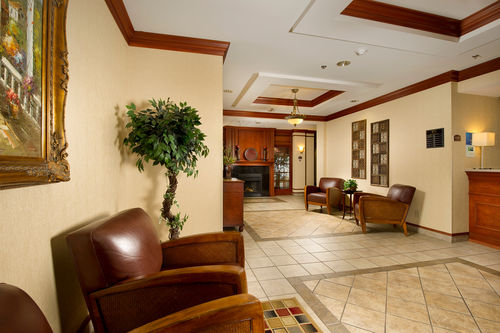 Holiday Inn Express & Suites Lenoir City (Knoxville Area) image 2