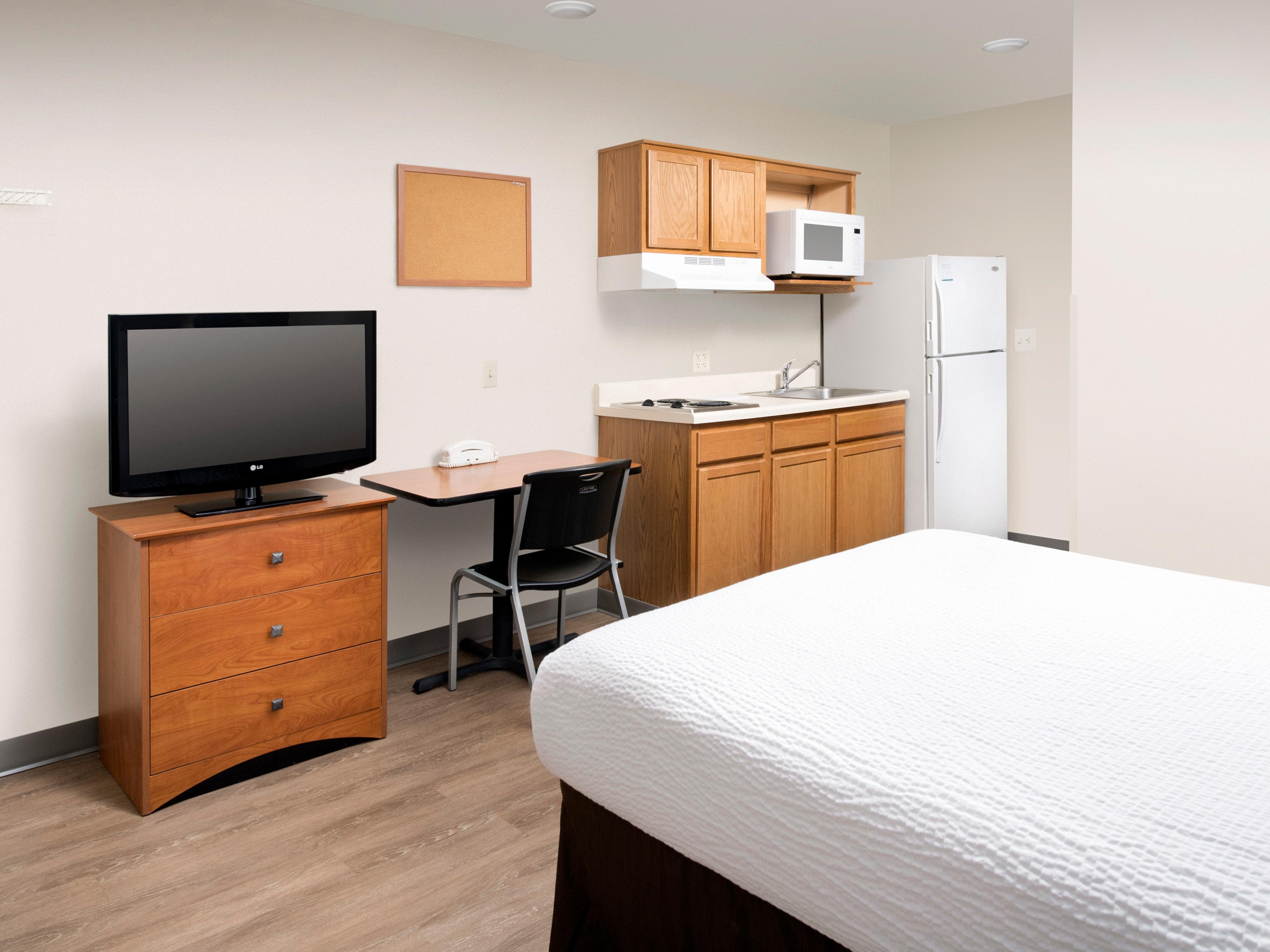 WoodSpring Suites Pensacola Northeast image 1