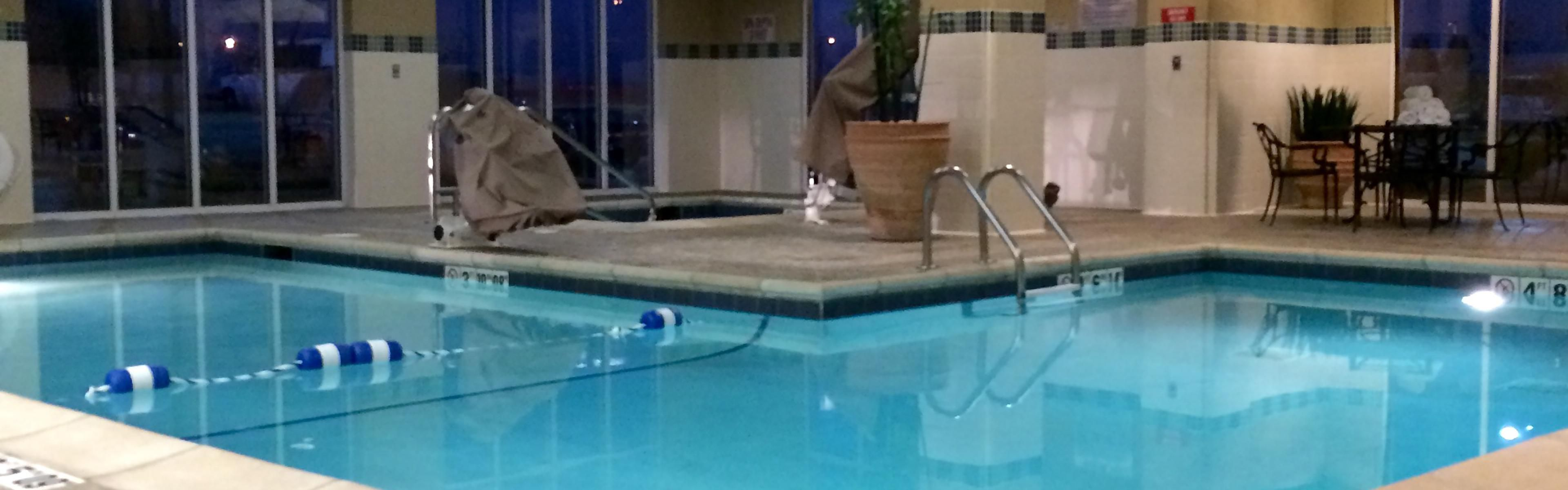 Holiday Inn & Suites West Des Moines-Jordan Creek image 2