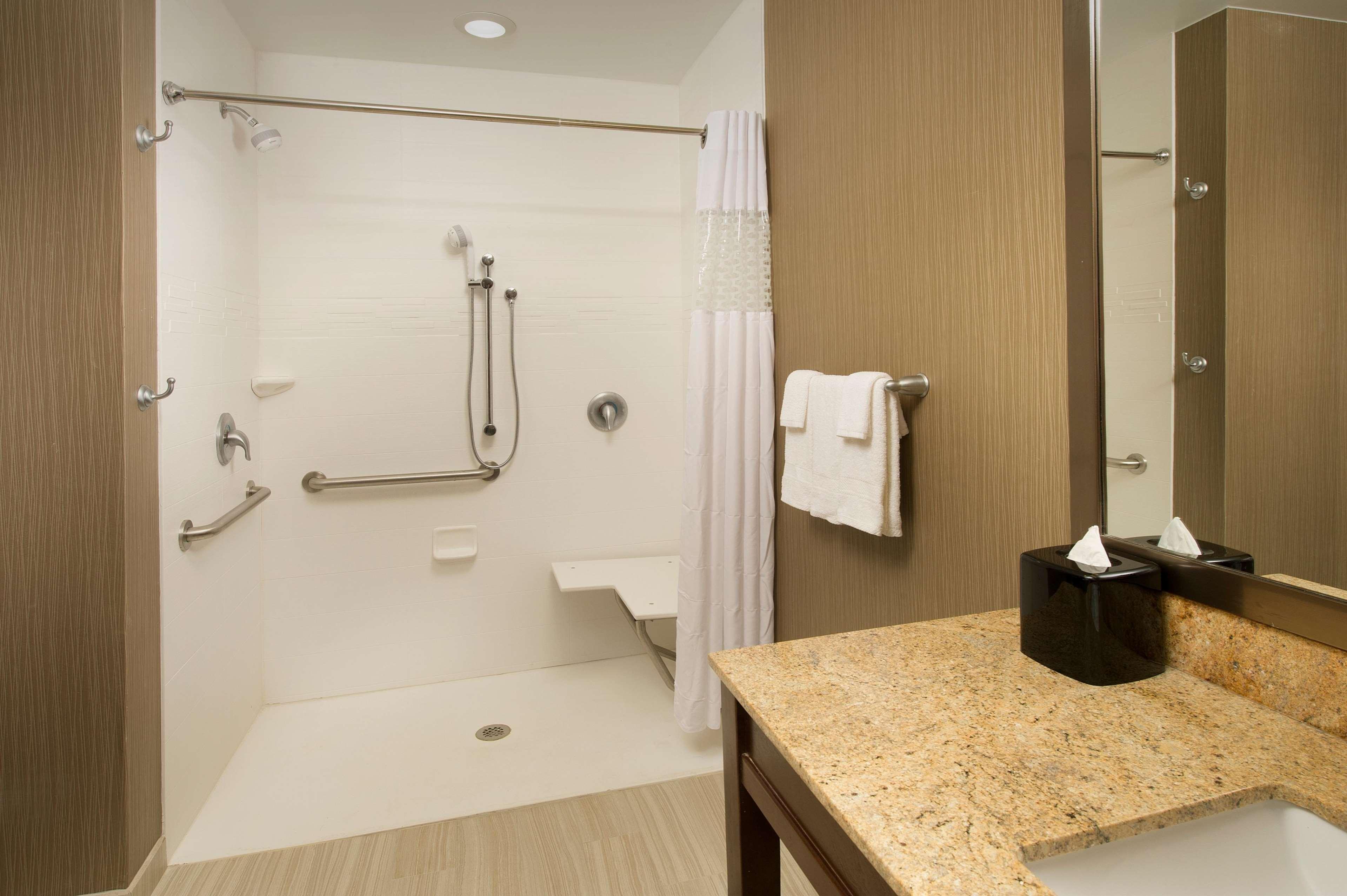Hampton Inn & Suites San Antonio-Downtown/Market Square image 14
