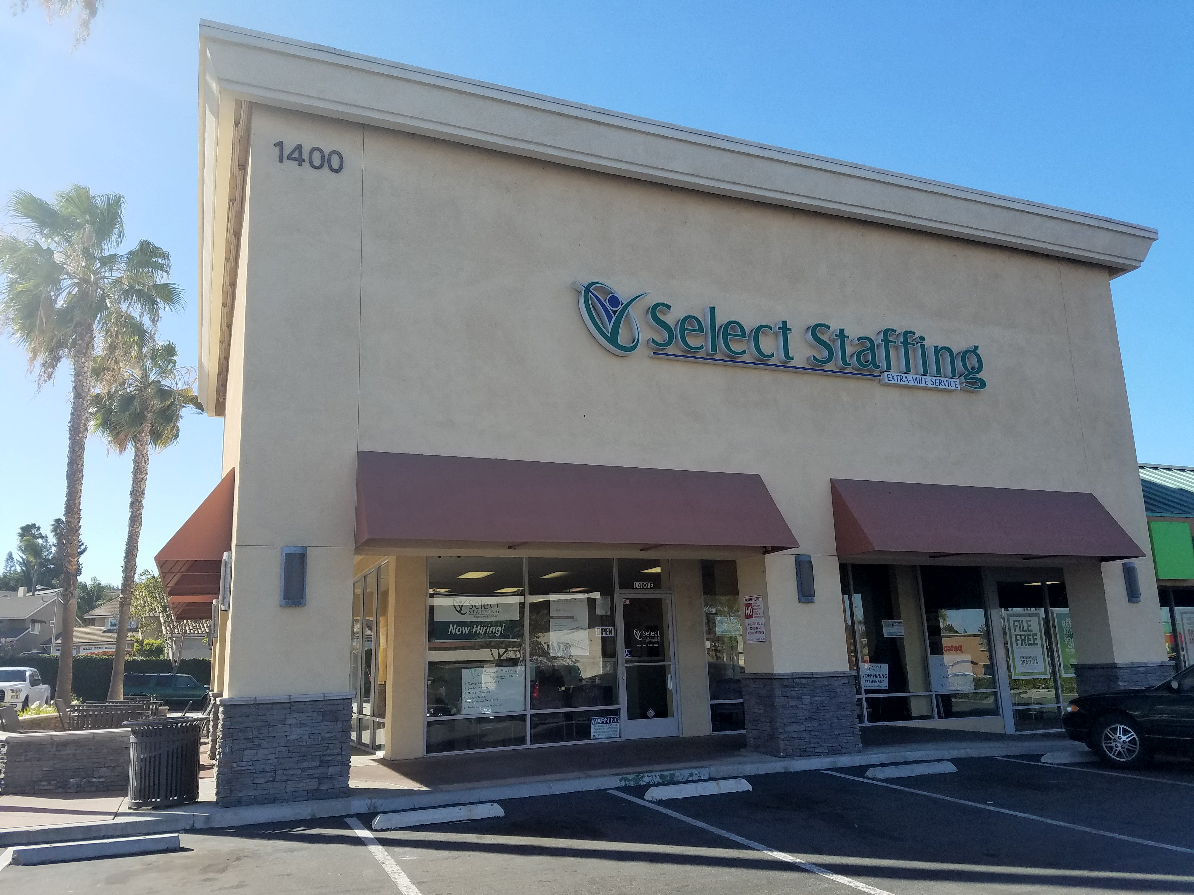 Select Staffing image 0