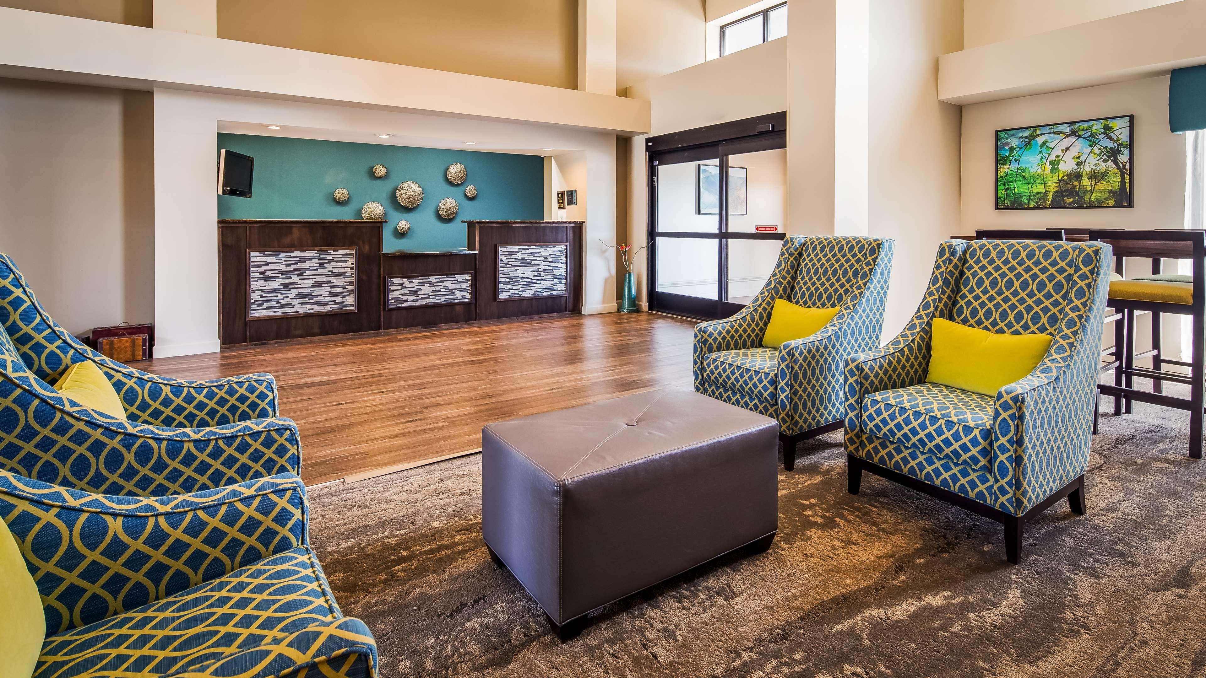 Best Western Plus Yadkin Valley Inn & Suites image 3
