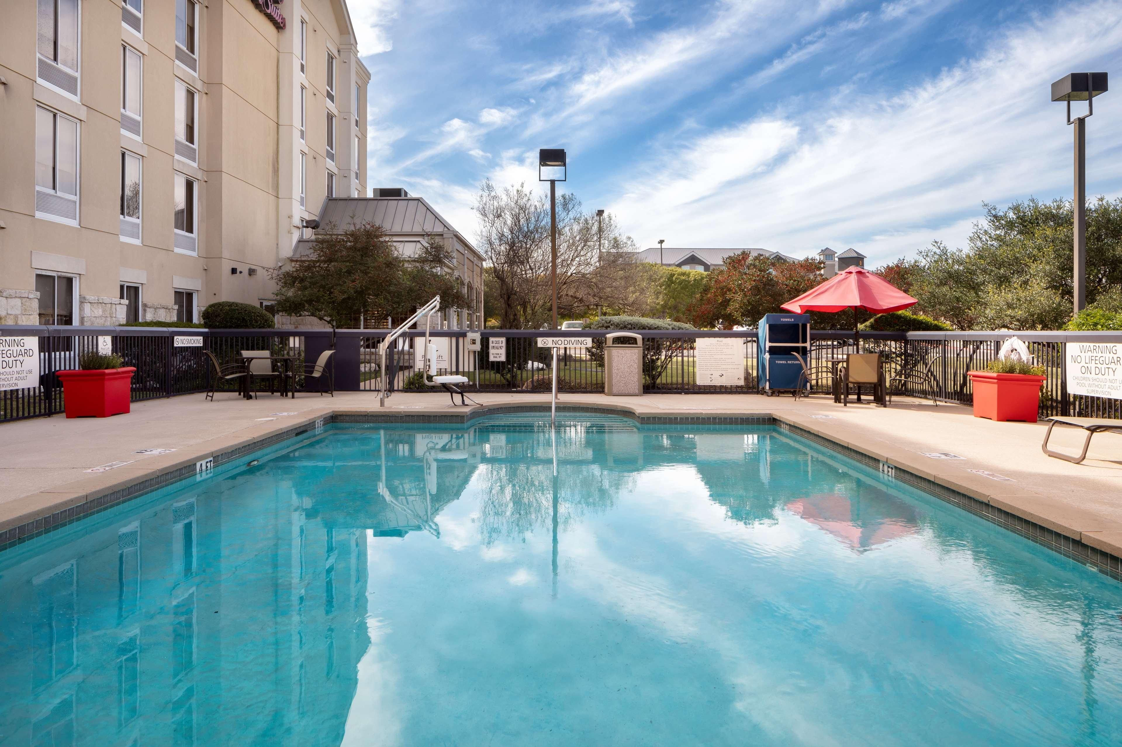 Hampton Inn & Suites Austin-Airport image 15