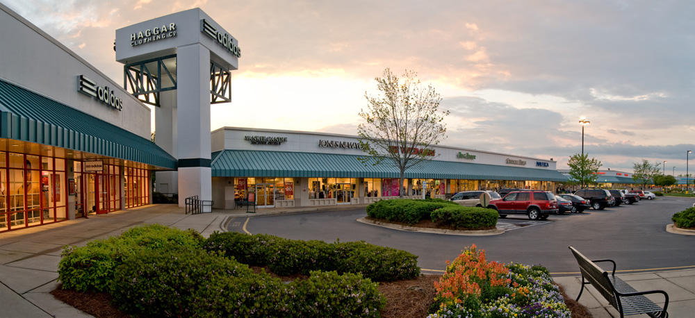 Carolina Premium Outlets, store listings, mall map, hours, directions, hotels, comment forum and more (Smithfield, NC) Other North Carolina malls Malls in other states Stores by name/brand Stores by category Special offers & deals Mobile version of this page. Share: Email to a friend.