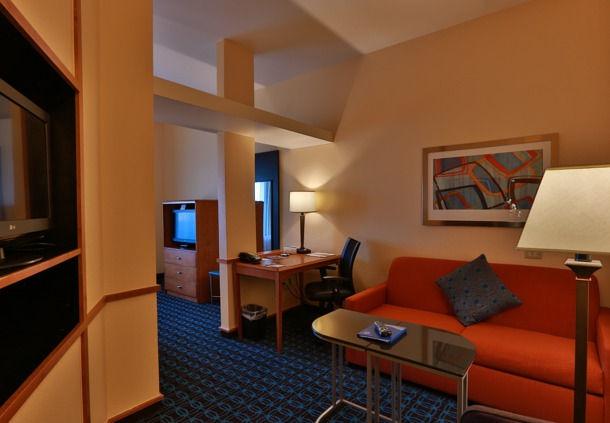 Fairfield Inn & Suites by Marriott Burlington image 4
