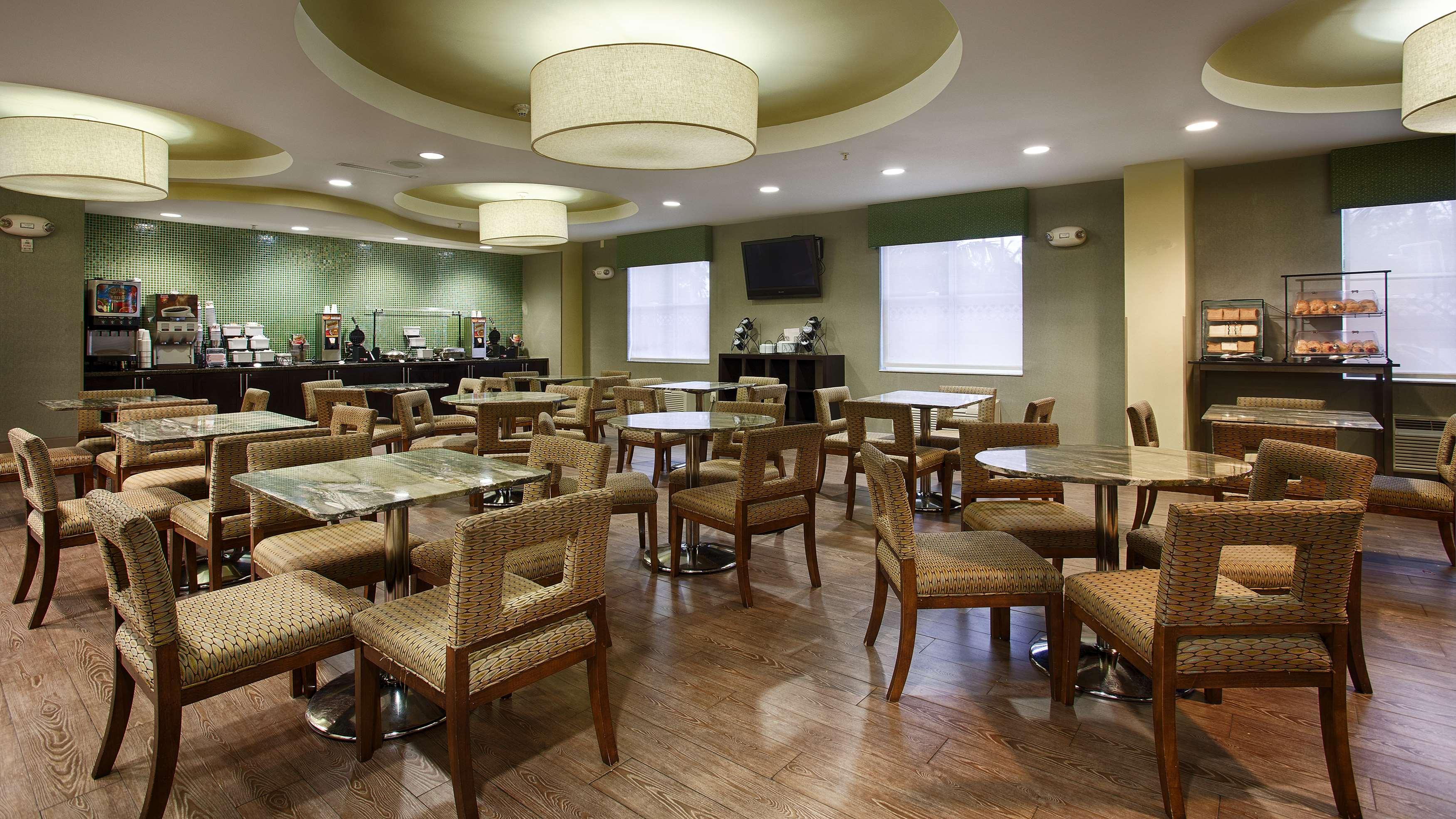 Best Western Plus Fort Lauderdale Airport South Inn & Suites image 9